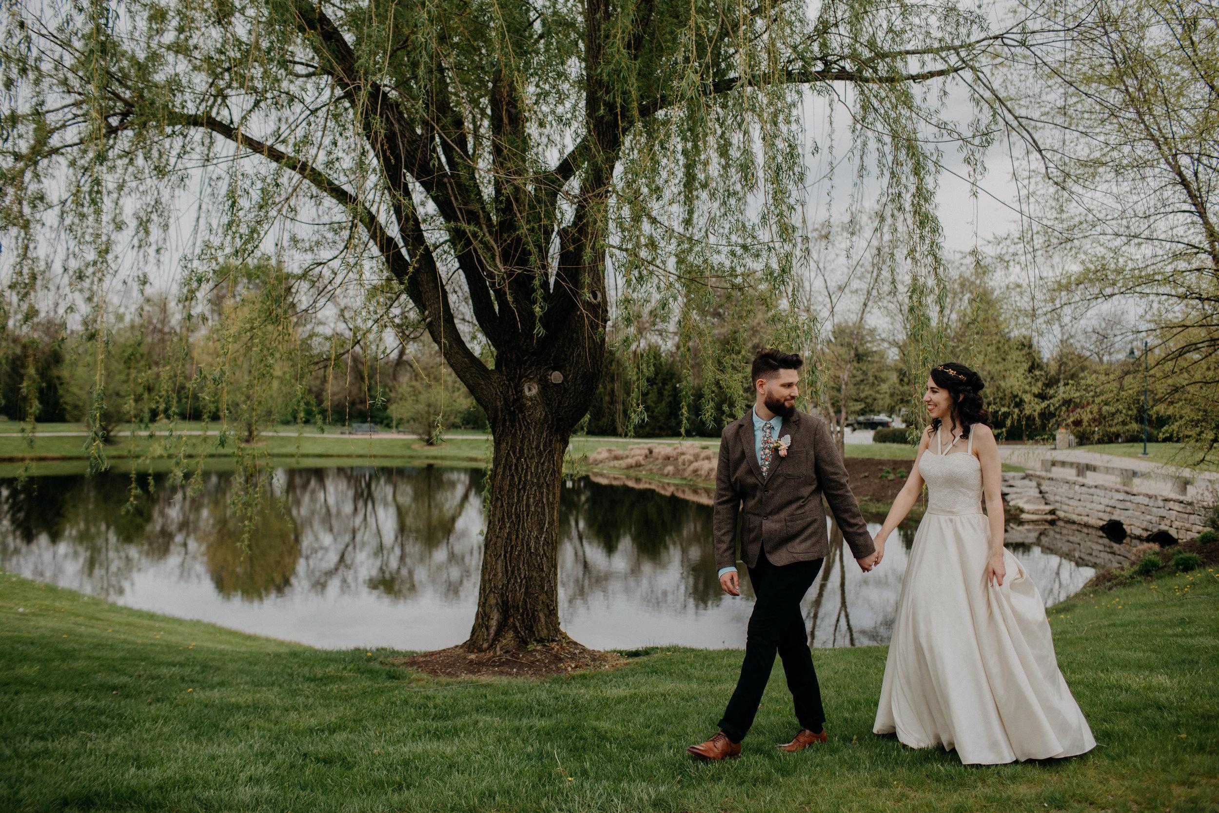 Columbus, Ohio Wedding Photographer Everal Barn At Heritage Park Wedding Venue Grace E Jones Photography161.jpg