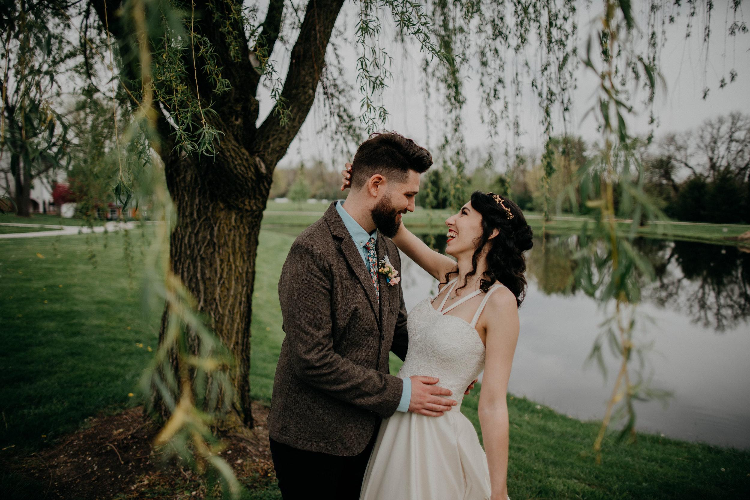 Columbus, Ohio Wedding Photographer Everal Barn At Heritage Park Wedding Venue Grace E Jones Photography89.jpg