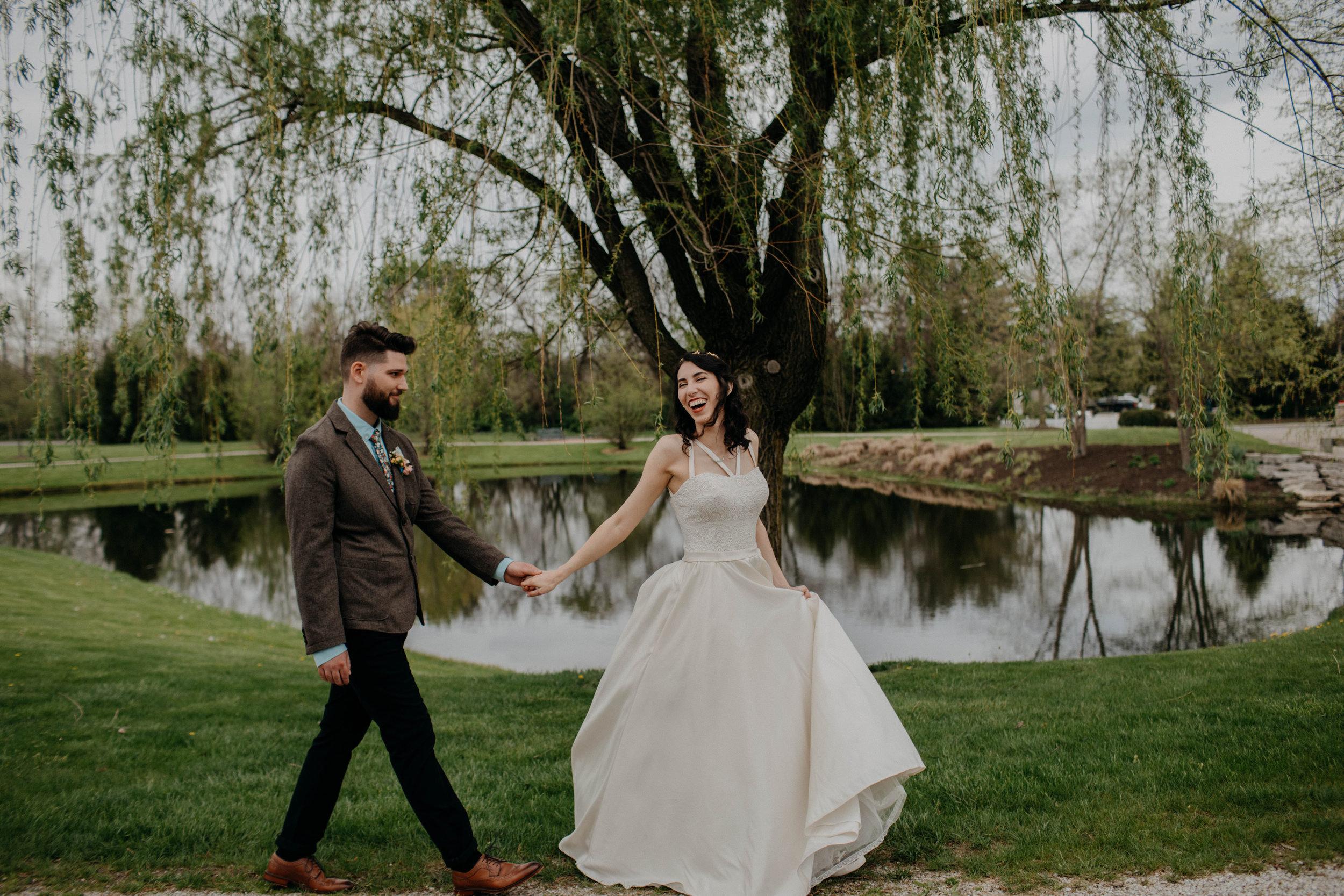 Columbus, Ohio Wedding Photographer Everal Barn At Heritage Park Wedding Venue Grace E Jones Photography163.jpg