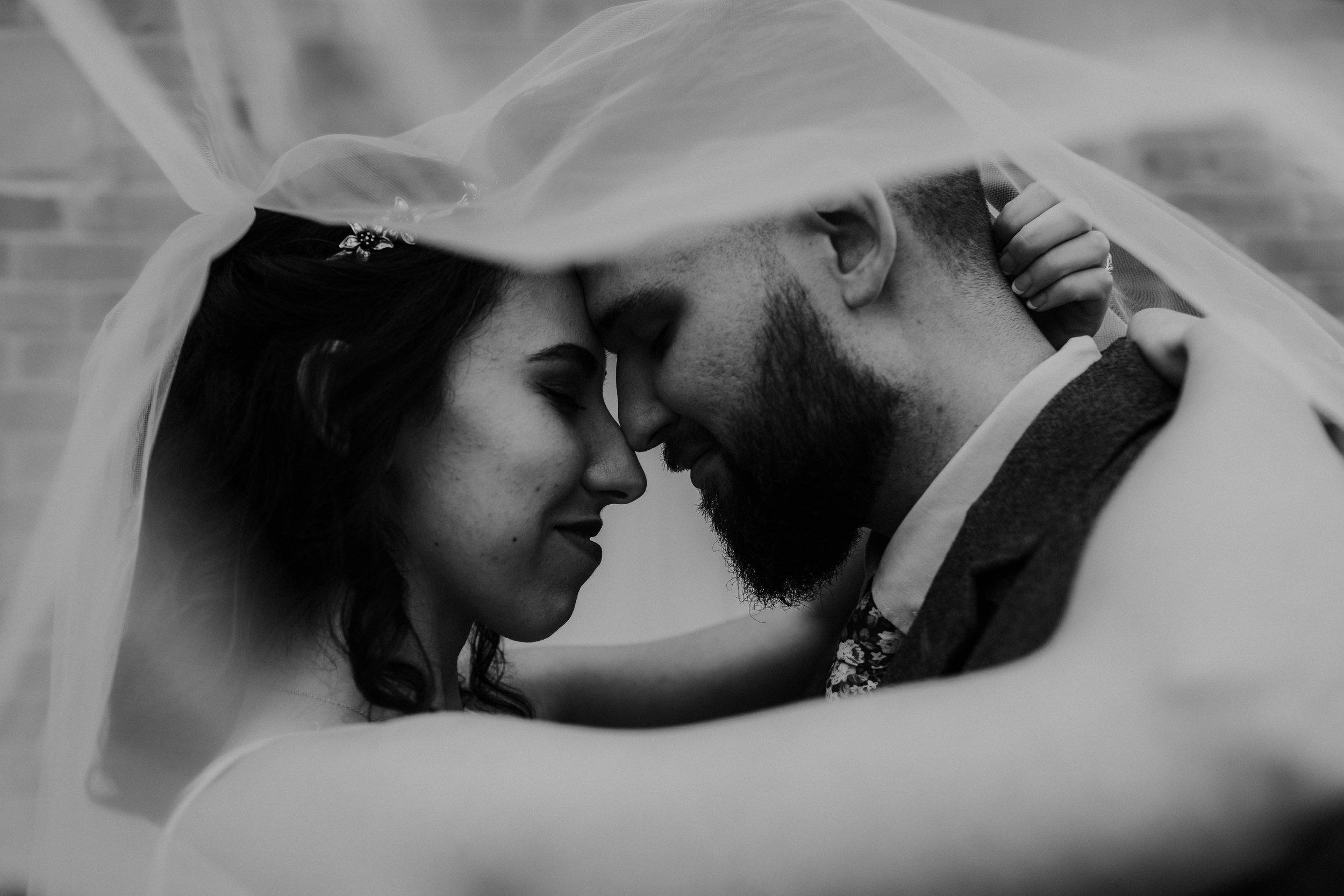 Columbus, Ohio Wedding Photographer Everal Barn At Heritage Park Wedding Venue Grace E Jones Photography165.jpg