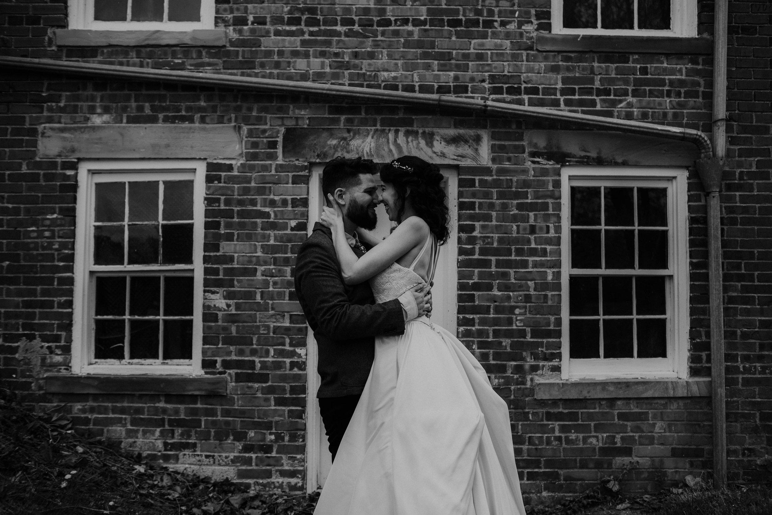Columbus, Ohio Wedding Photographer Everal Barn At Heritage Park Wedding Venue Grace E Jones Photography170.jpg