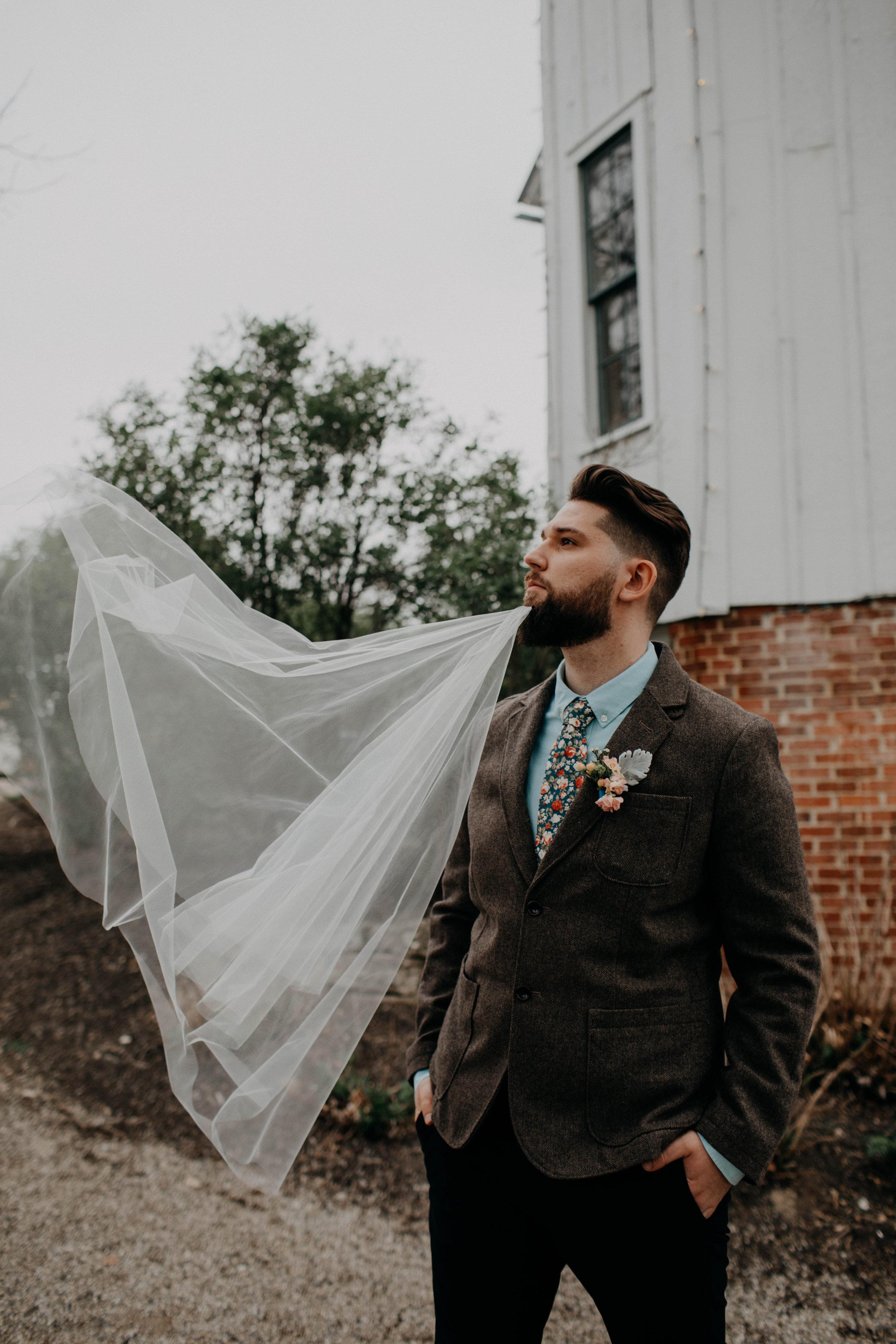 Columbus, Ohio Wedding Photographer Everal Barn At Heritage Park Wedding Venue Grace E Jones Photography171.jpg