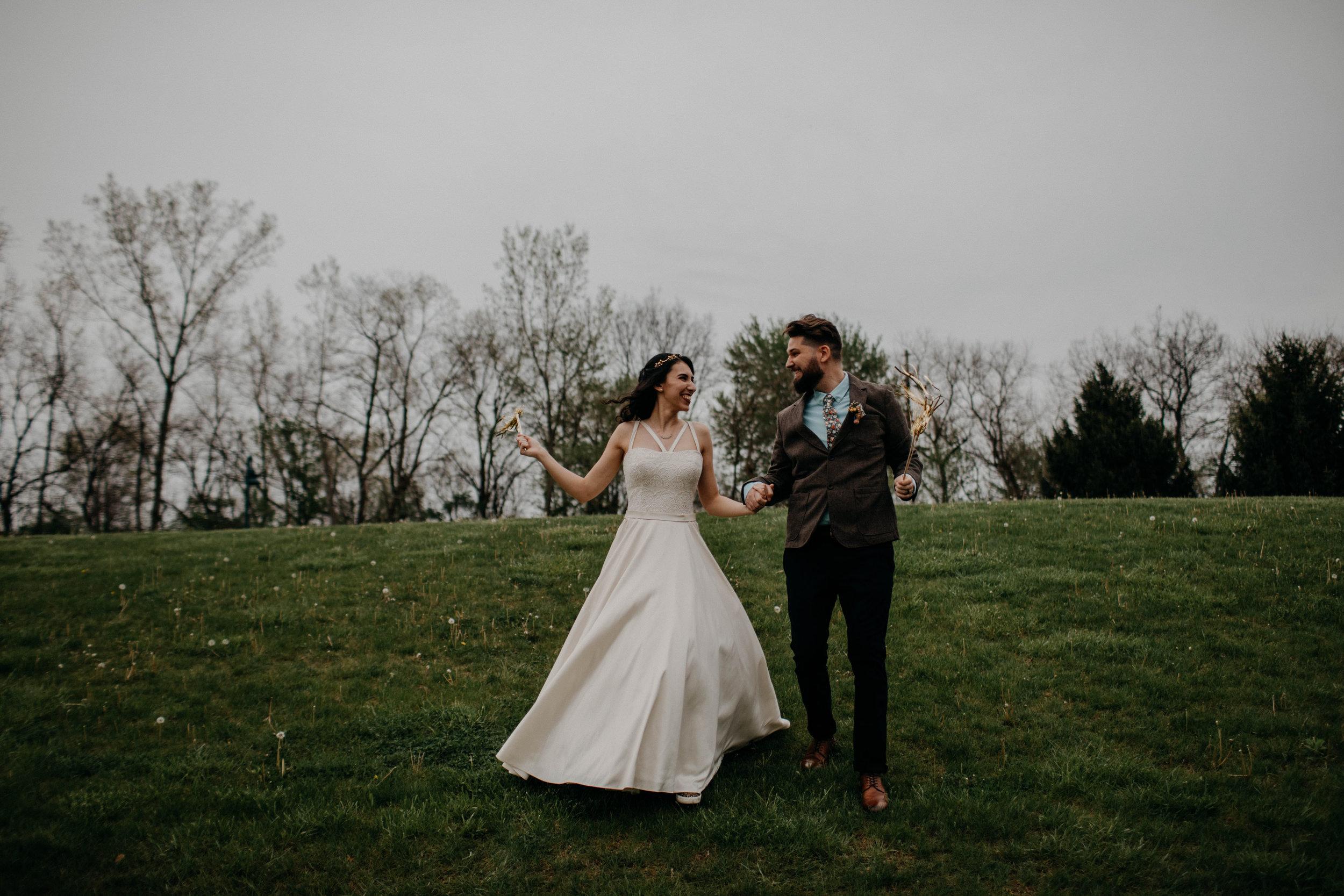 Columbus, Ohio Wedding Photographer Everal Barn At Heritage Park Wedding Venue Grace E Jones Photography175.jpg