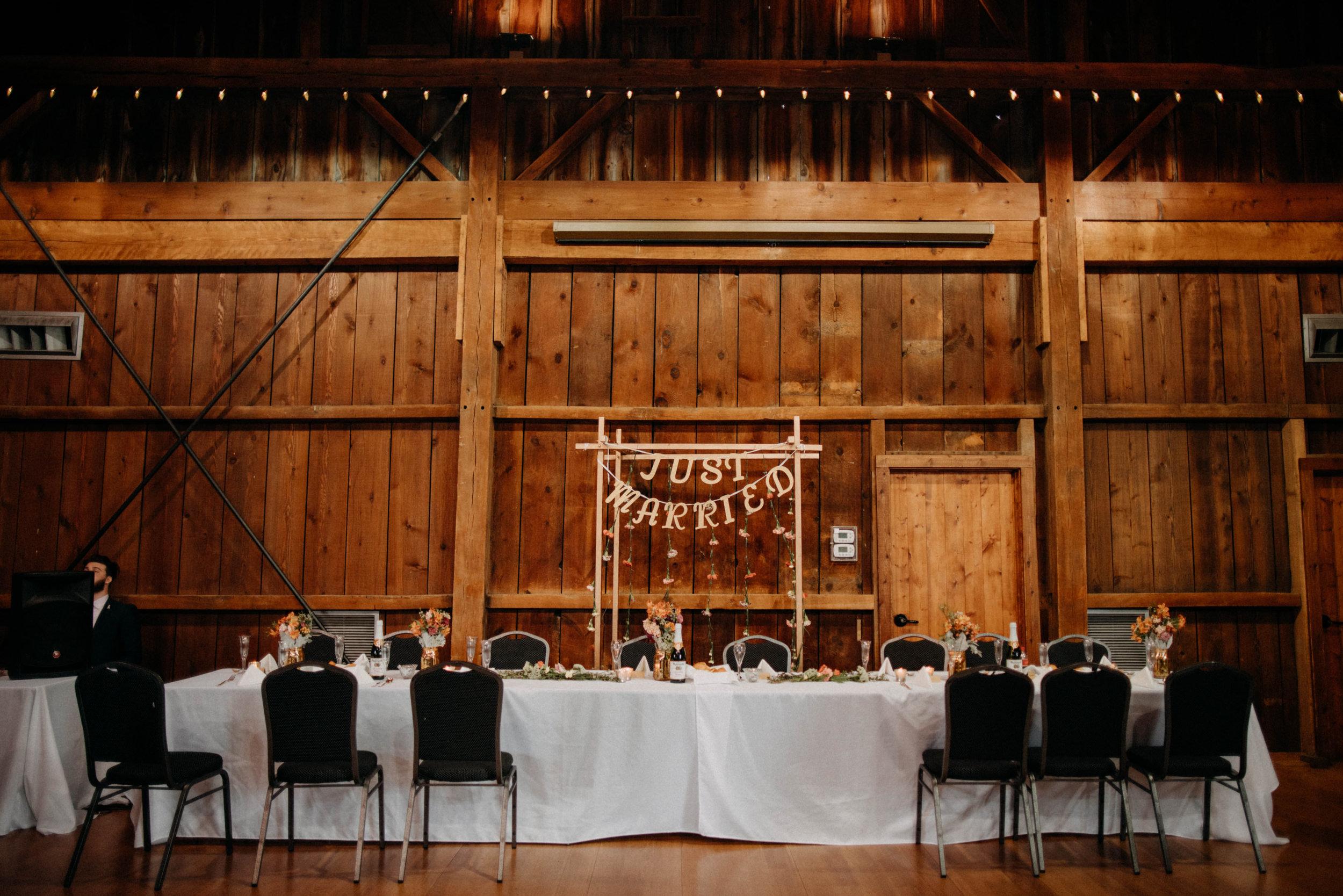 Columbus, Ohio Wedding Photographer Everal Barn At Heritage Park Wedding Venue Grace E Jones Photography205.jpg