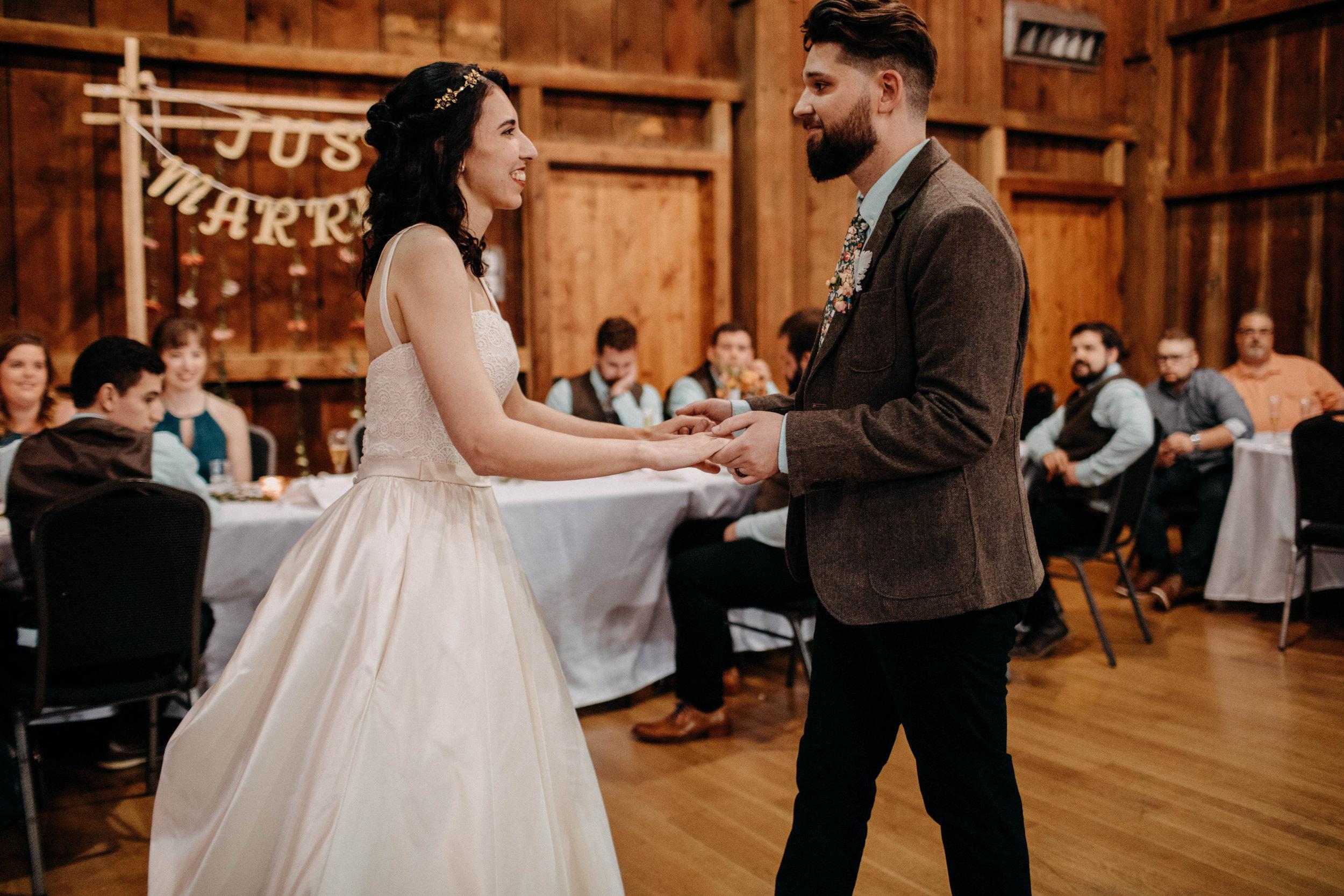 Columbus, Ohio Wedding Photographer Everal Barn At Heritage Park Wedding Venue Grace E Jones Photography257.jpg