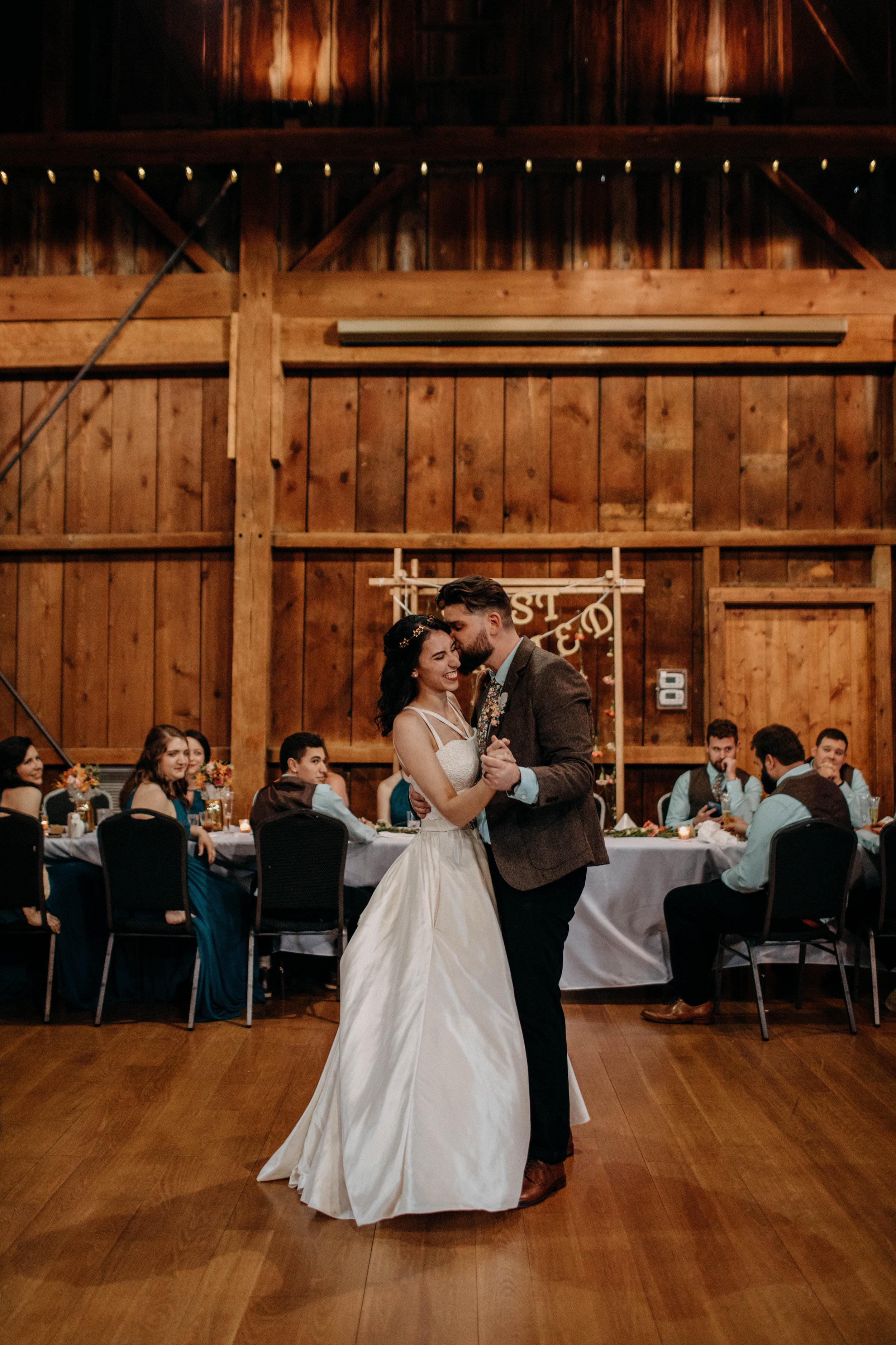 Columbus, Ohio Wedding Photographer Everal Barn At Heritage Park Wedding Venue Grace E Jones Photography263.jpg