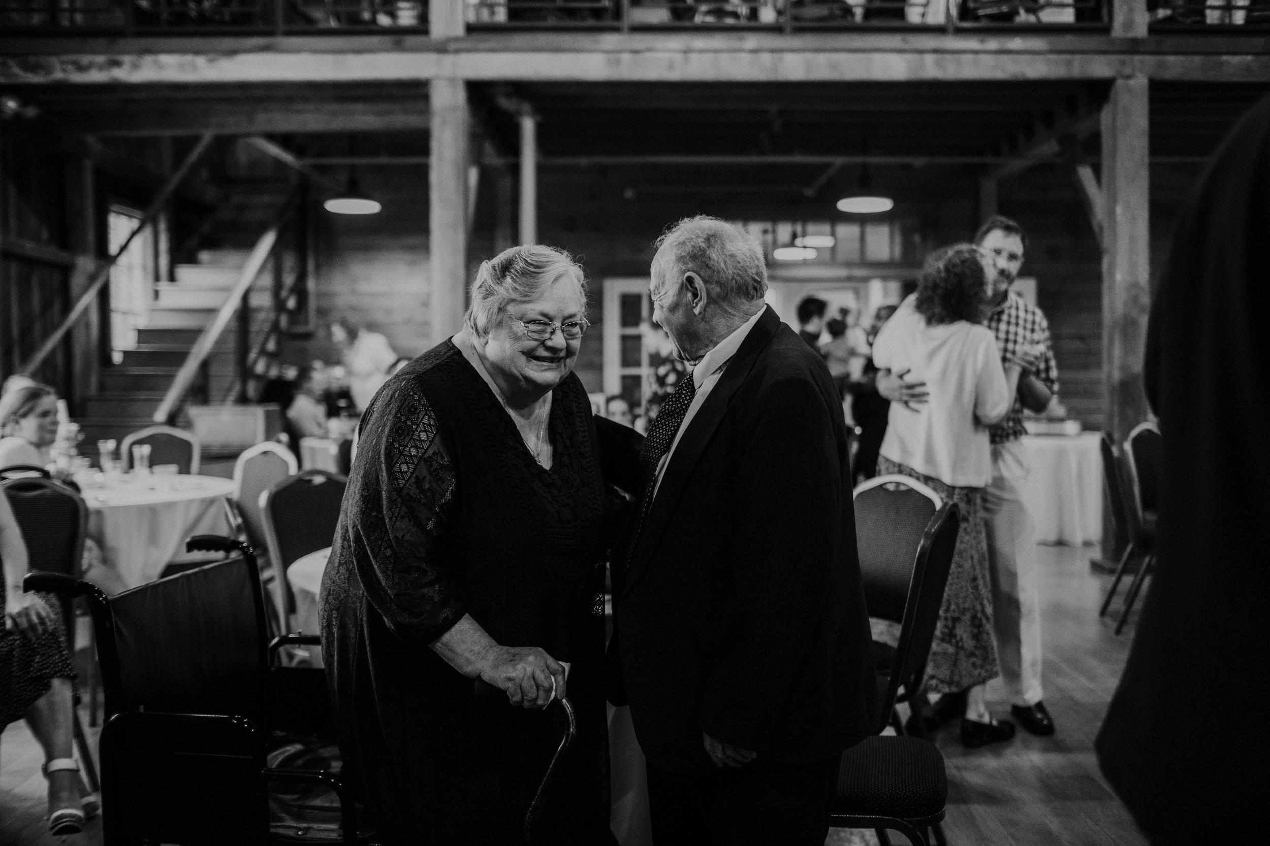 Columbus, Ohio Wedding Photographer Everal Barn At Heritage Park Wedding Venue Grace E Jones Photography268.jpg