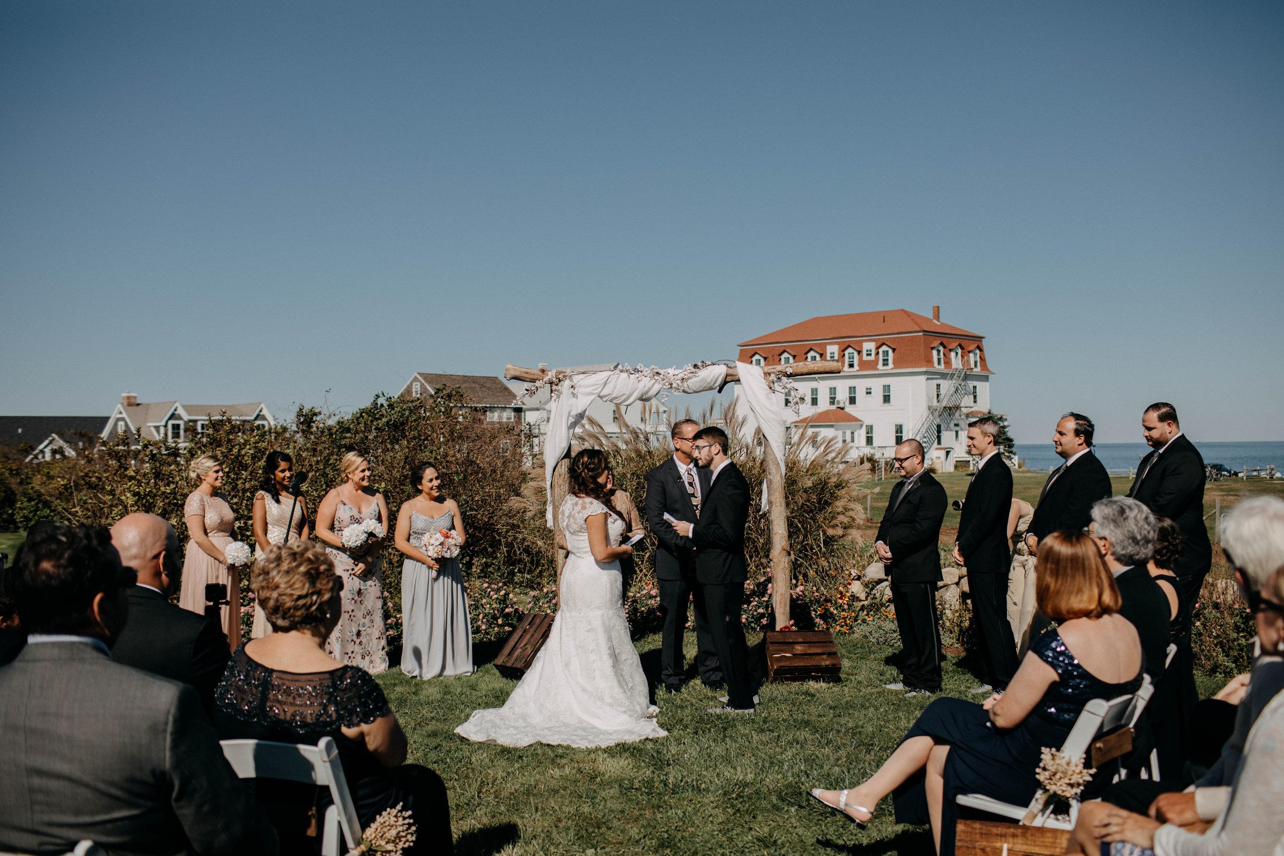 intimate block island rhode island wedding rose farm inn wedding east coast wedding photographer175.jpg