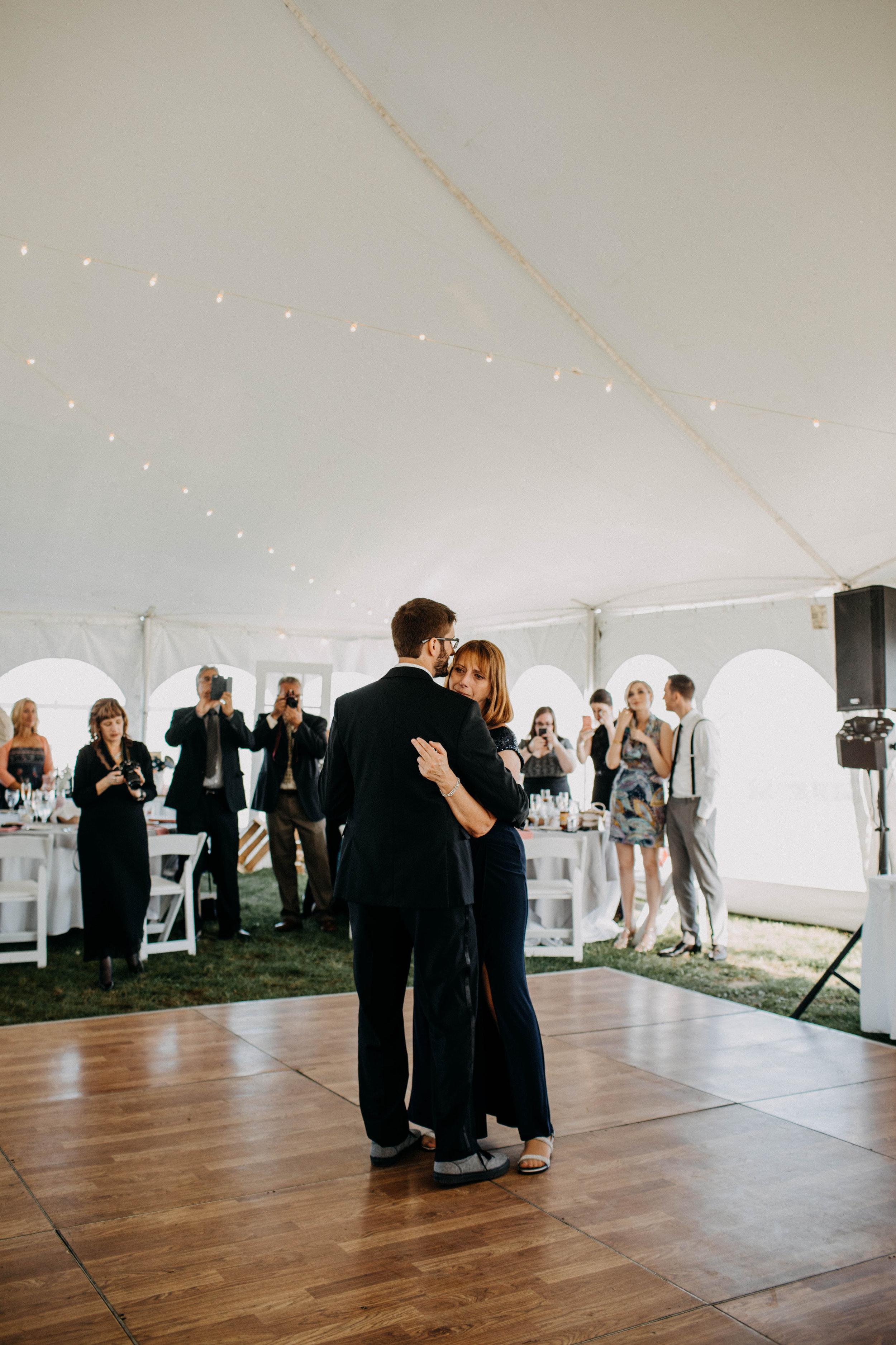 intimate block island rhode island wedding rose farm inn wedding east coast wedding photographer223.jpg