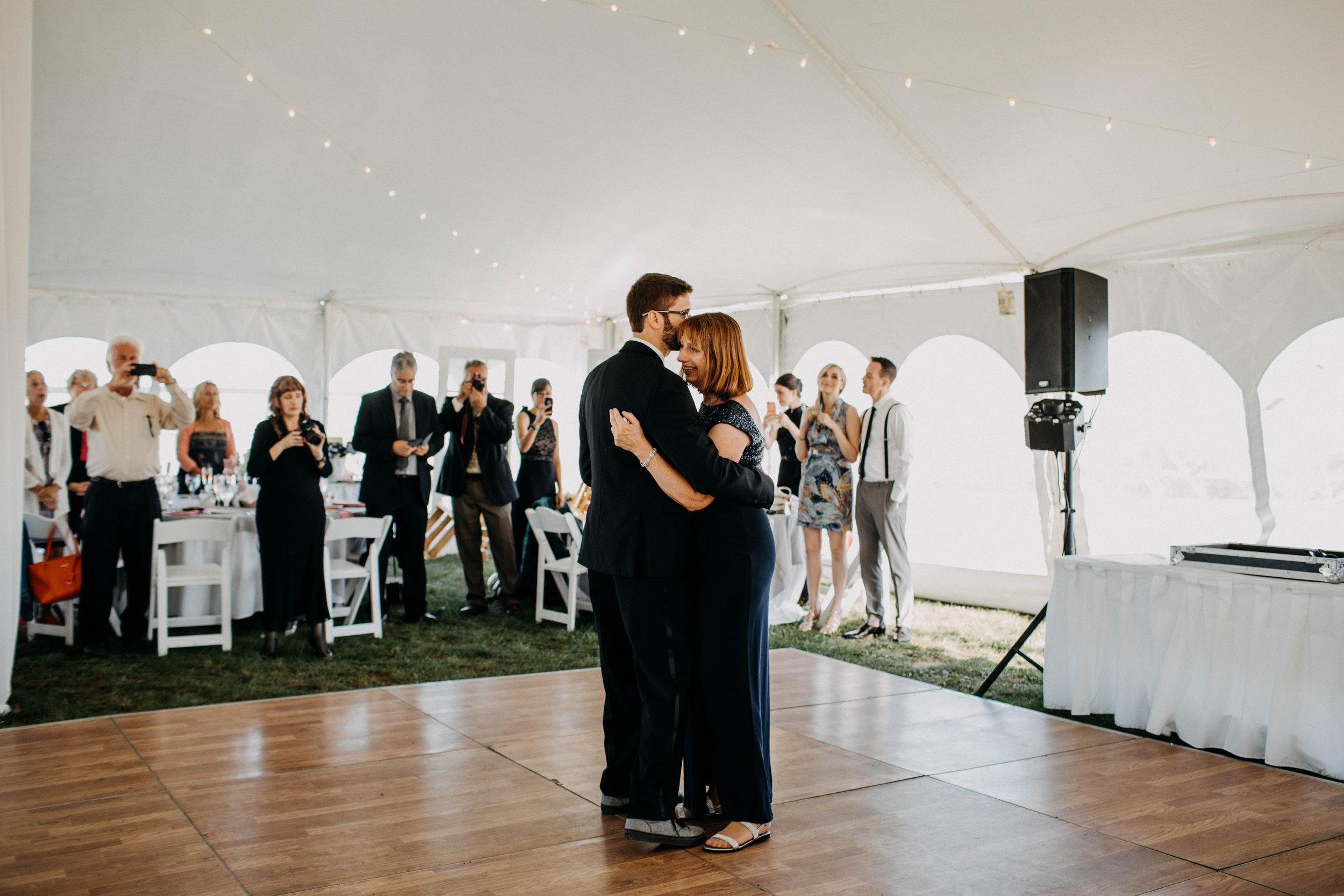 intimate block island rhode island wedding rose farm inn wedding east coast wedding photographer224.jpg