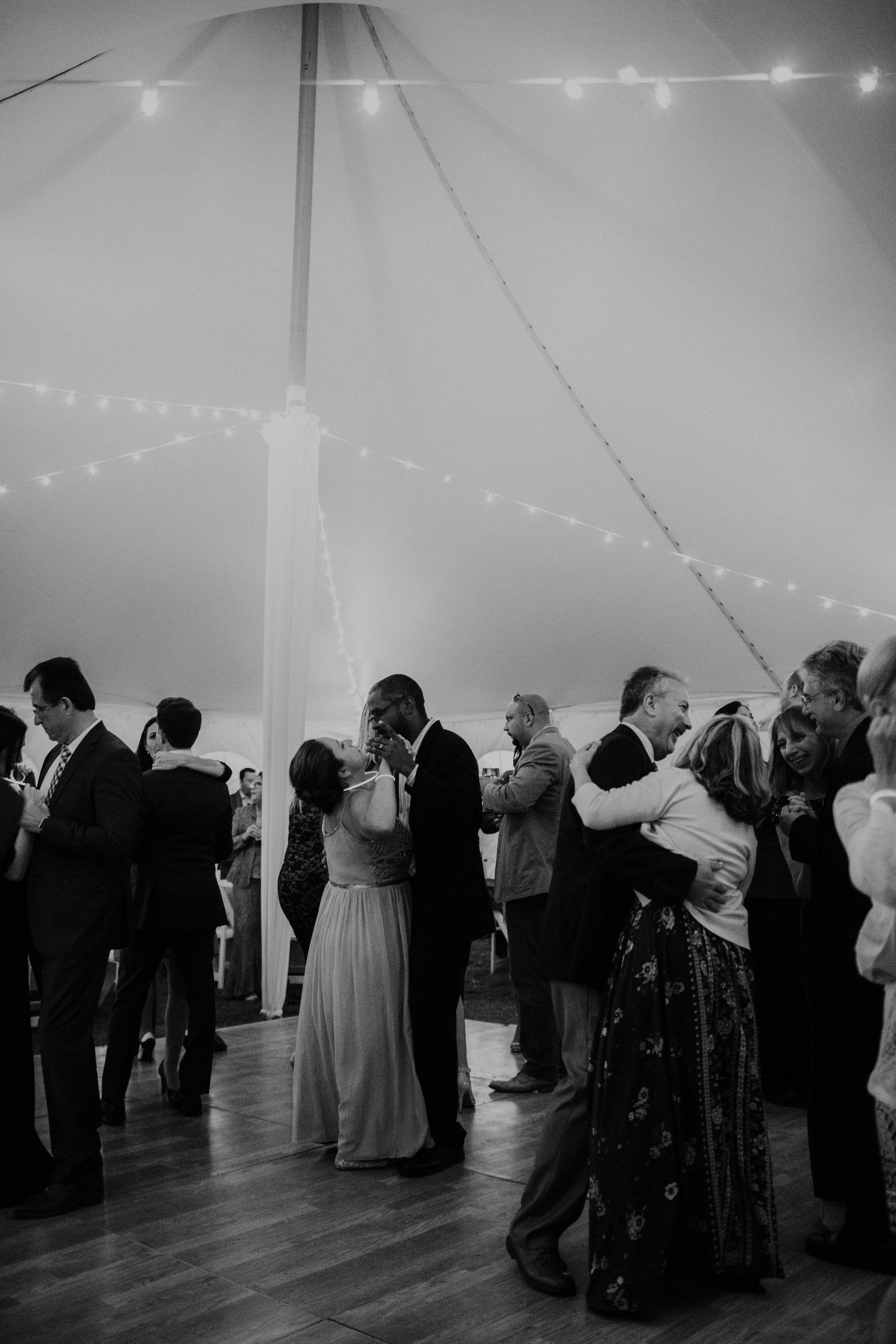 intimate block island rhode island wedding rose farm inn wedding east coast wedding photographer304.jpg