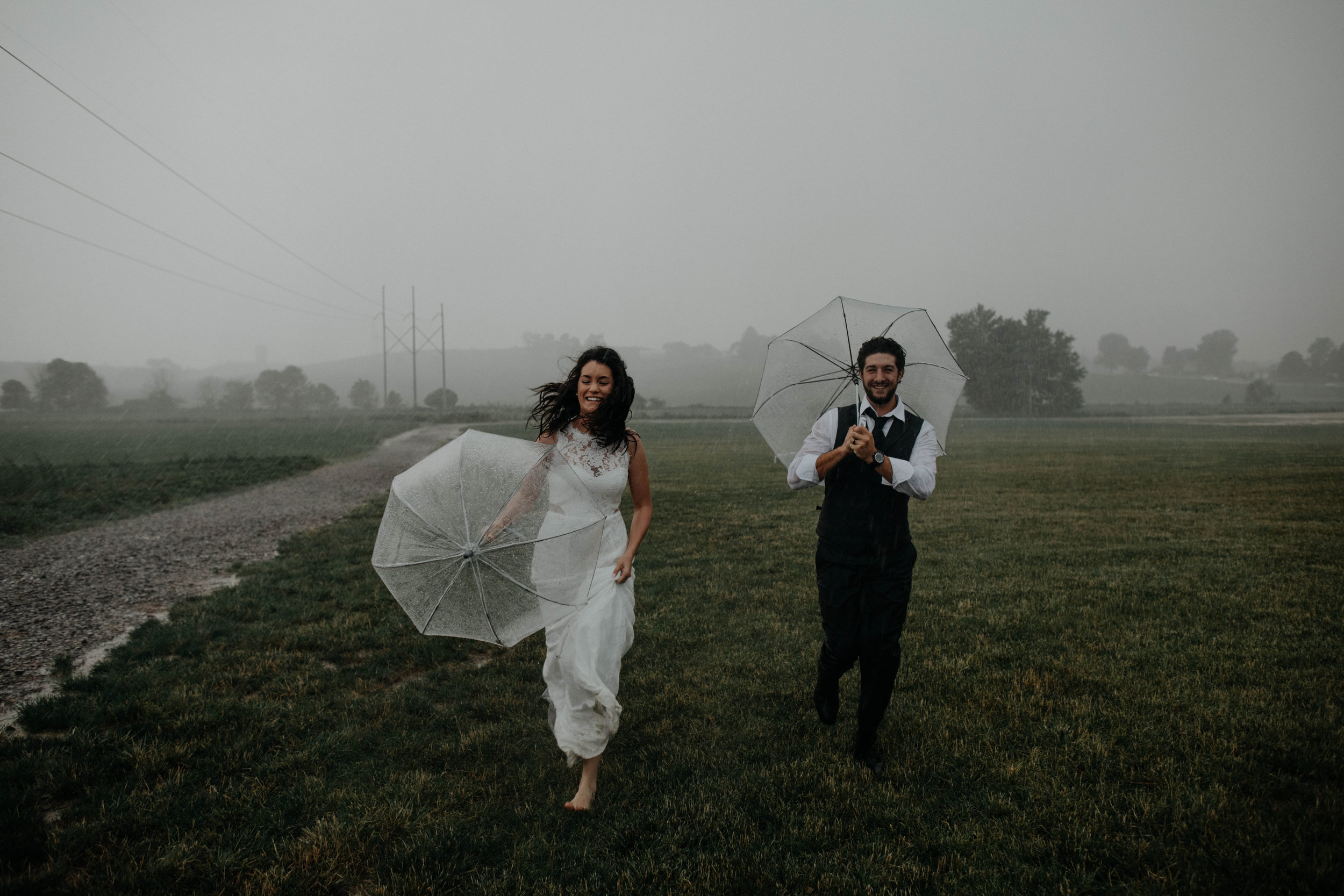 ohio amish country intimate wedding rainy day wedding105.jpg