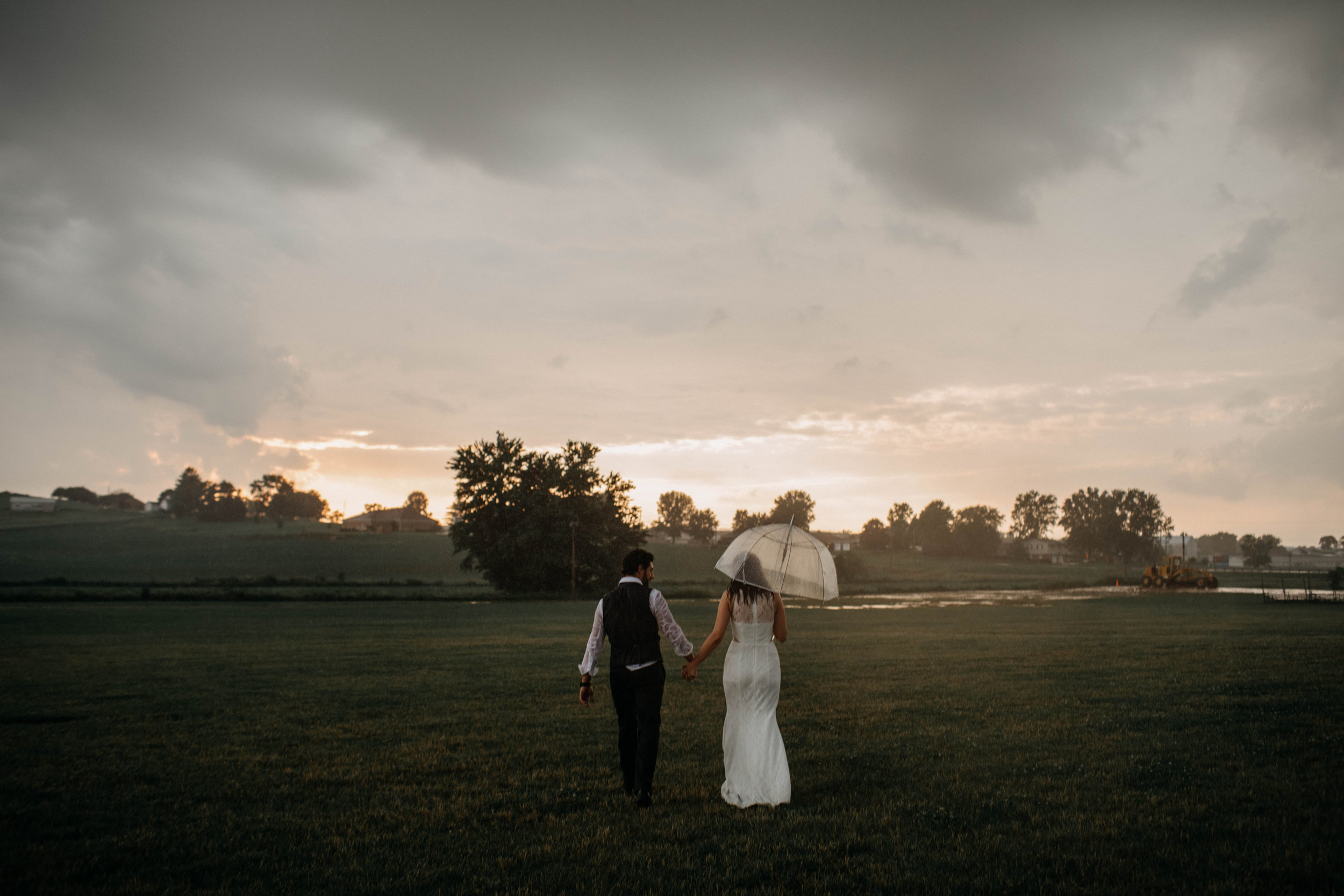 ohio amish country intimate wedding rainy day wedding143.jpg