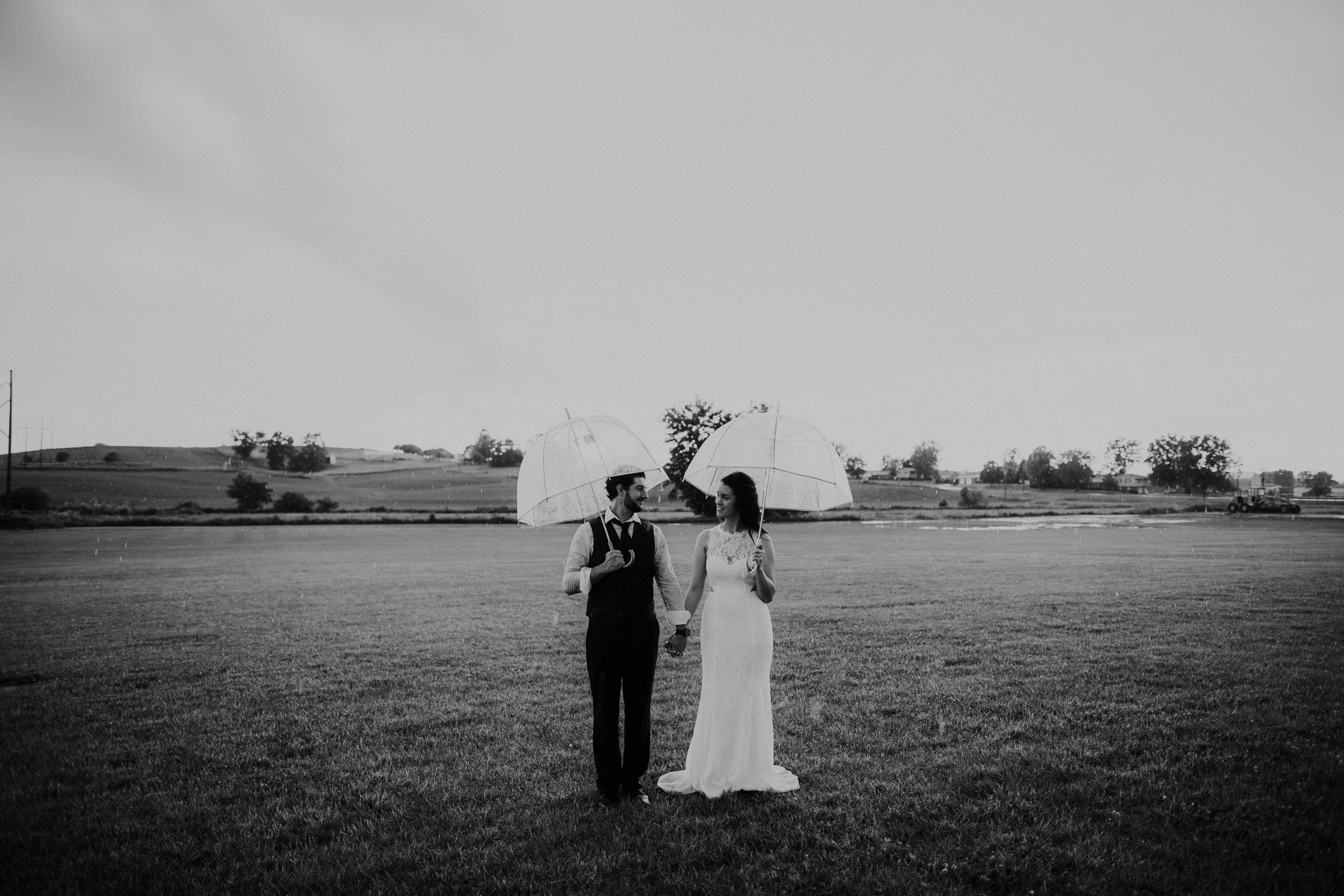 ohio amish country intimate wedding rainy day wedding119.jpg