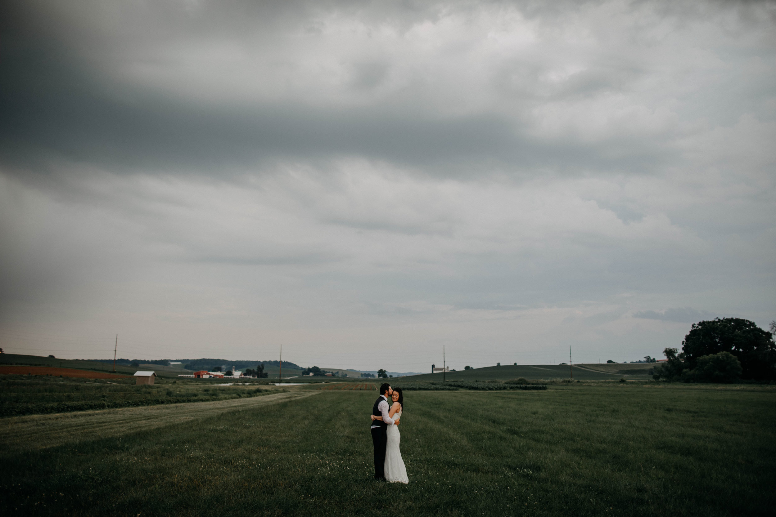 ohio amish country intimate wedding rainy day wedding120.jpg