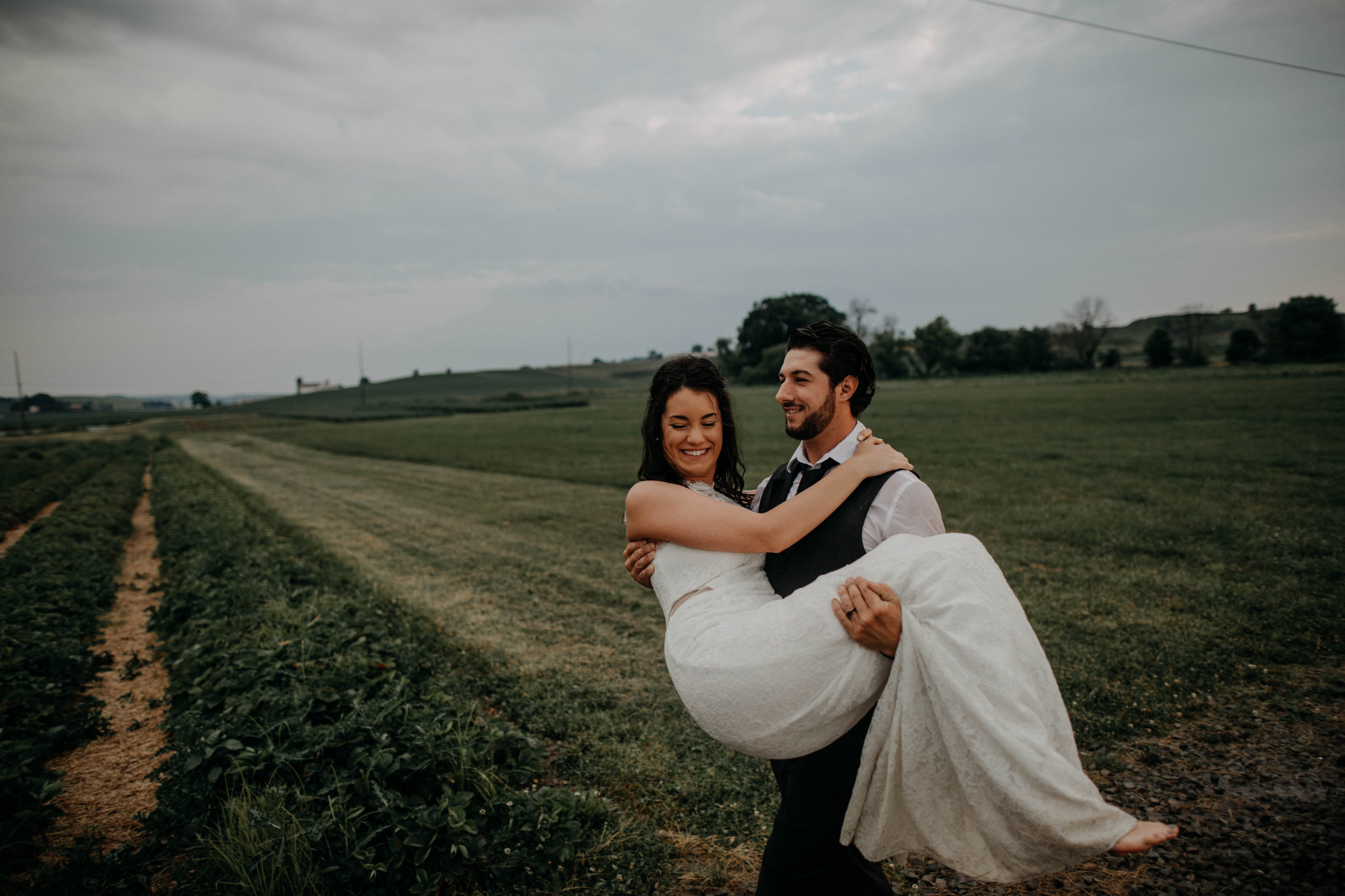 ohio amish country intimate wedding rainy day wedding127.jpg