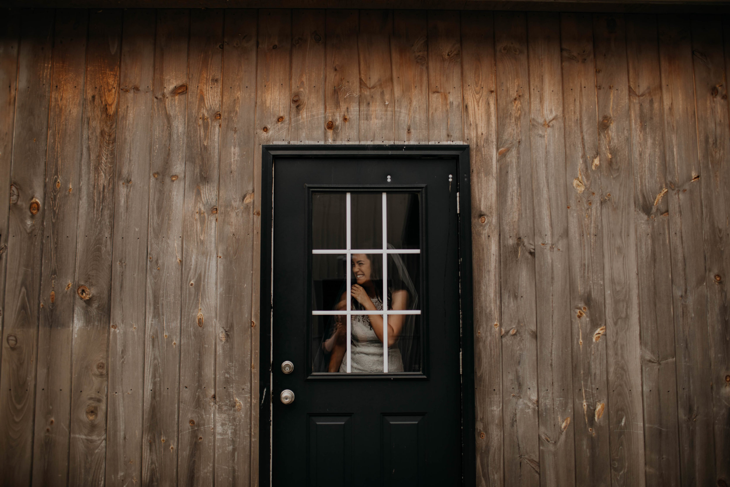 ohio+amish+country+intimate+wedding+rainy+day+wedding19.jpg