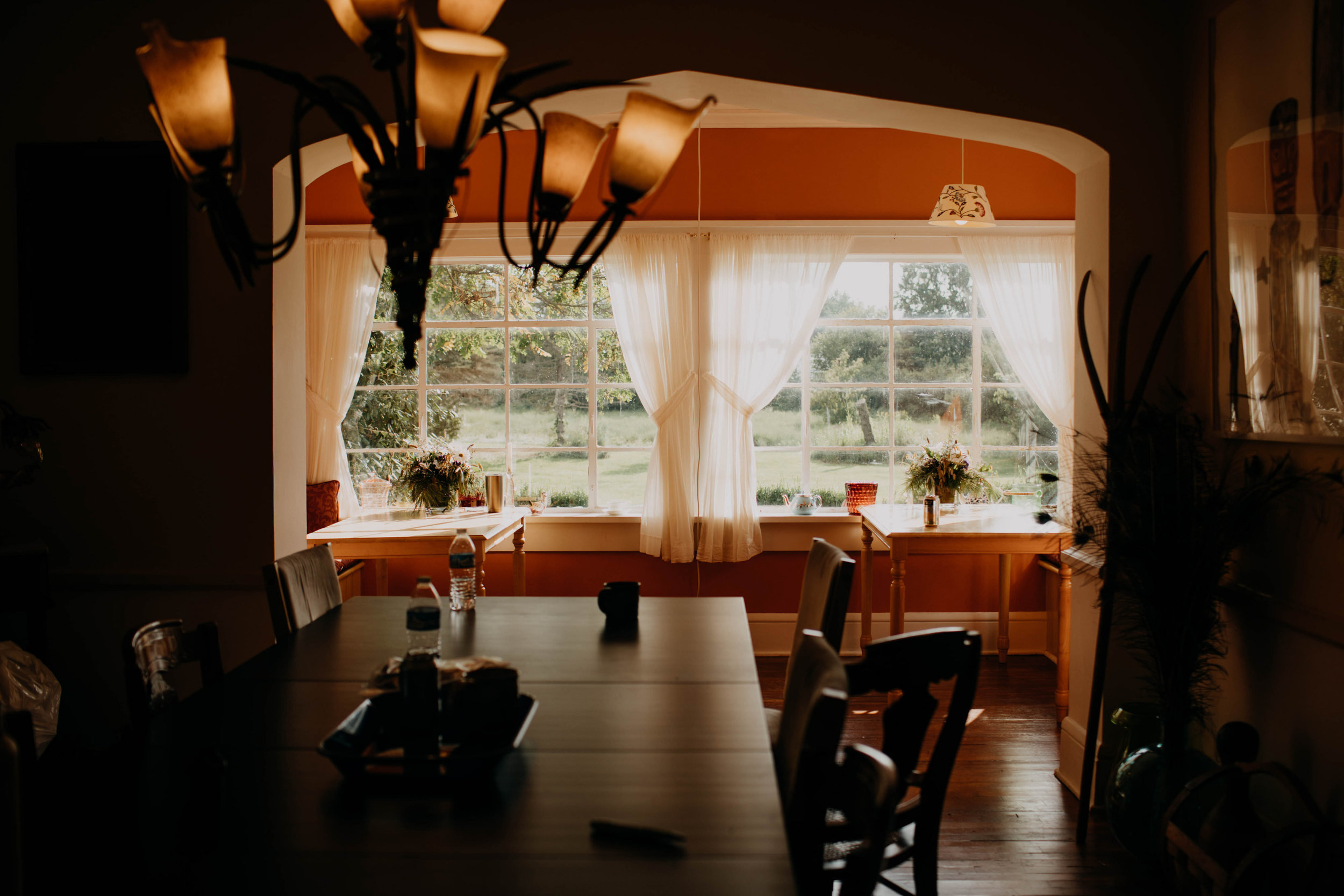 untraditional intimate bed and breakfast wedding orchard house bed and breakfast wedding granville ohio13.jpg