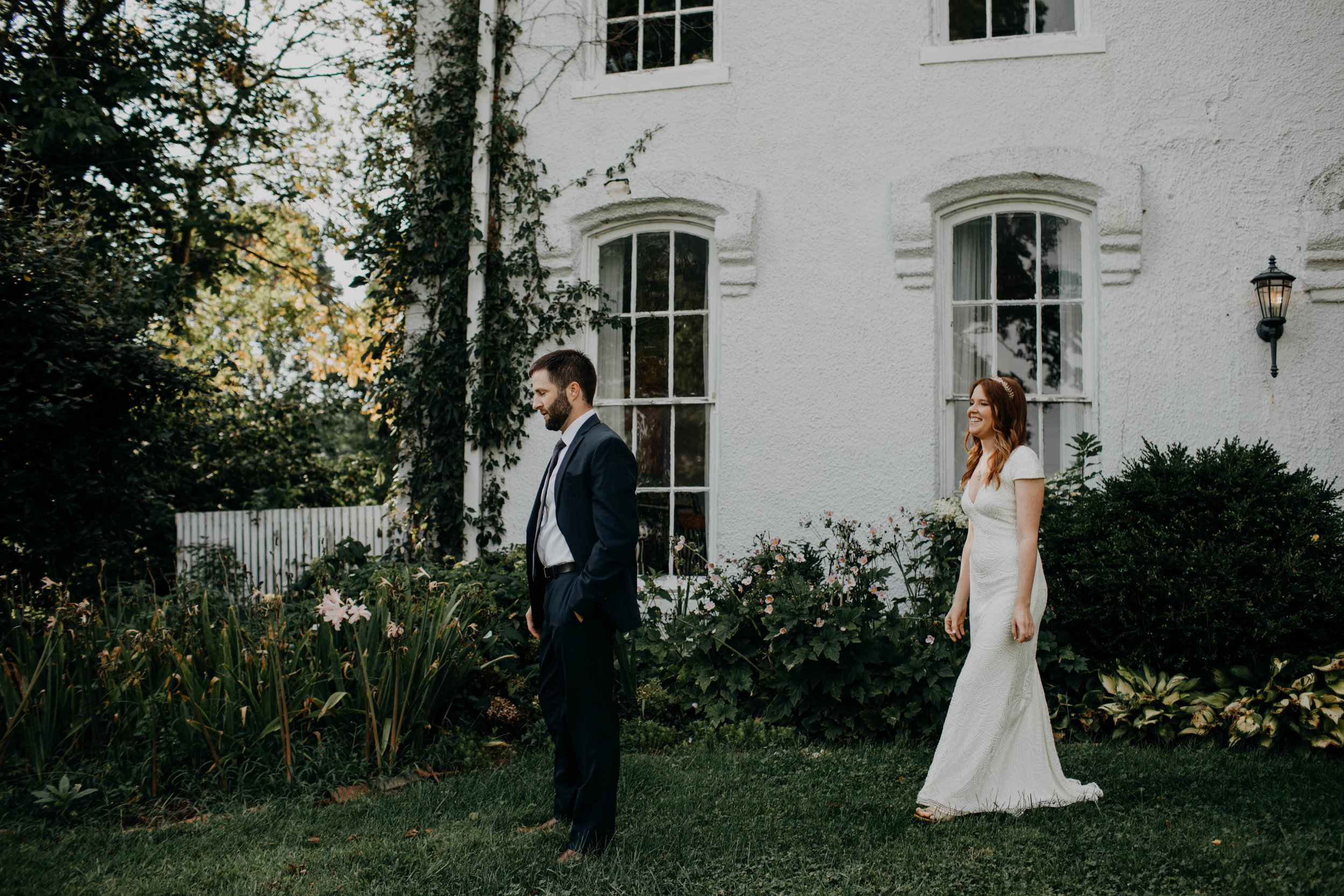 untraditional intimate bed and breakfast wedding orchard house bed and breakfast wedding granville ohio99.jpg