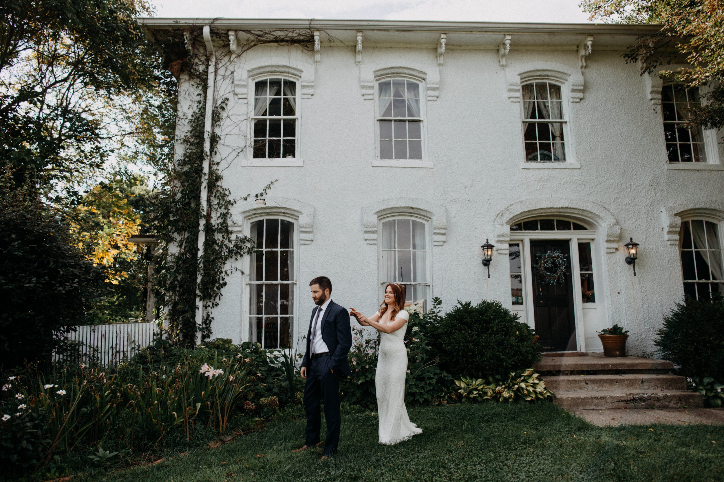 untraditional intimate bed and breakfast wedding orchard house bed and breakfast wedding granville ohio92.jpg