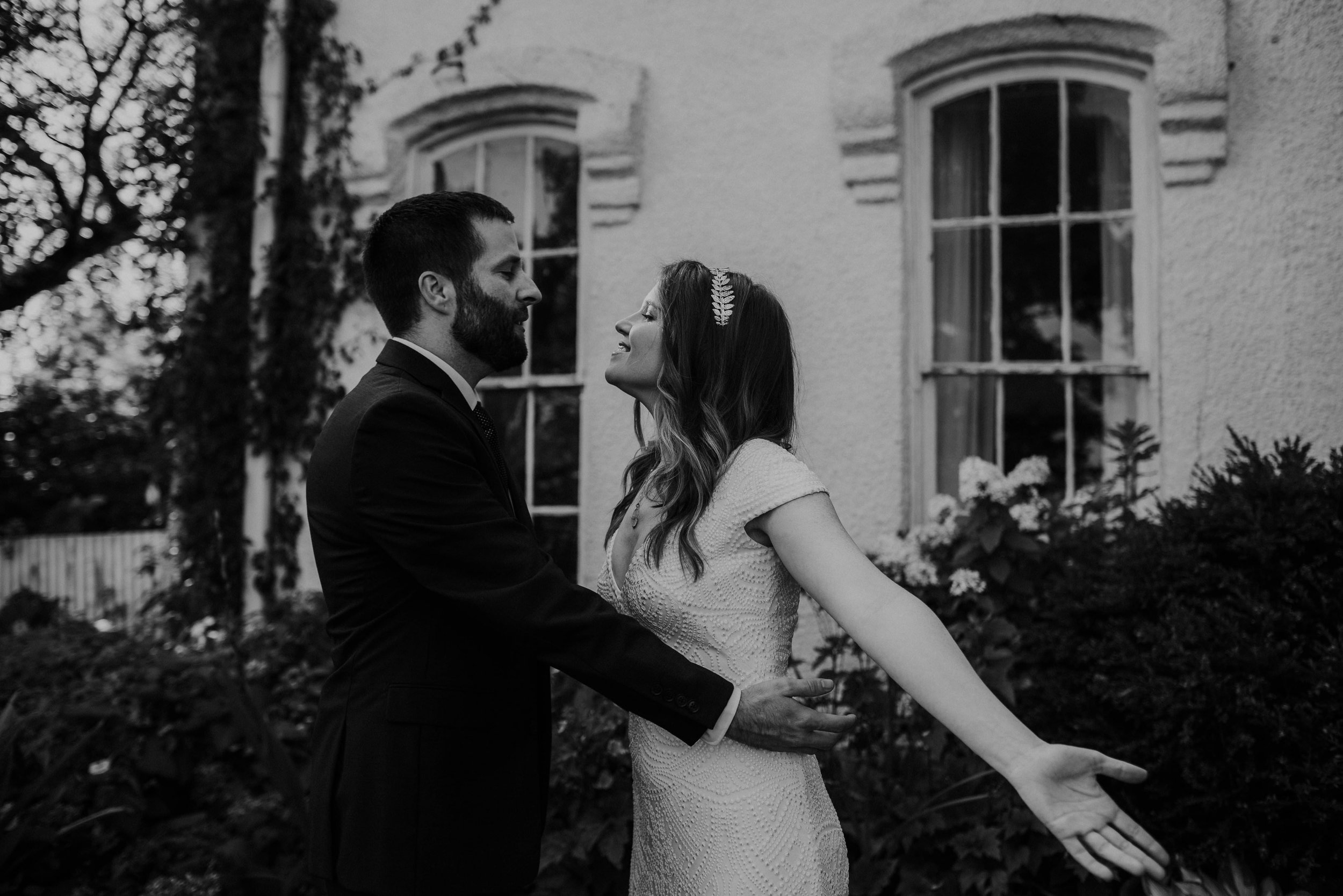 untraditional intimate bed and breakfast wedding orchard house bed and breakfast wedding granville ohio108.jpg