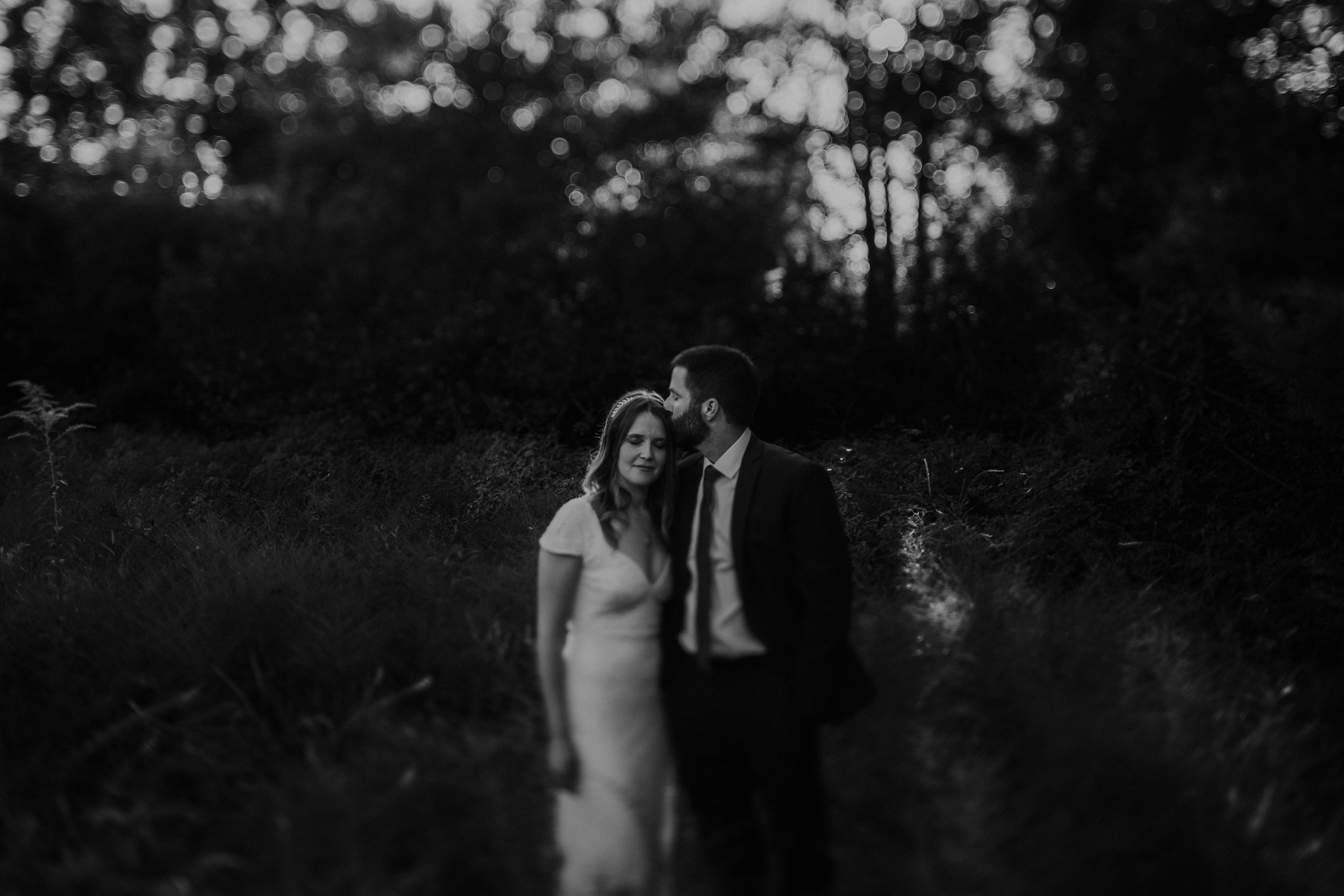 untraditional intimate bed and breakfast wedding orchard house bed and breakfast wedding granville ohio88.jpg