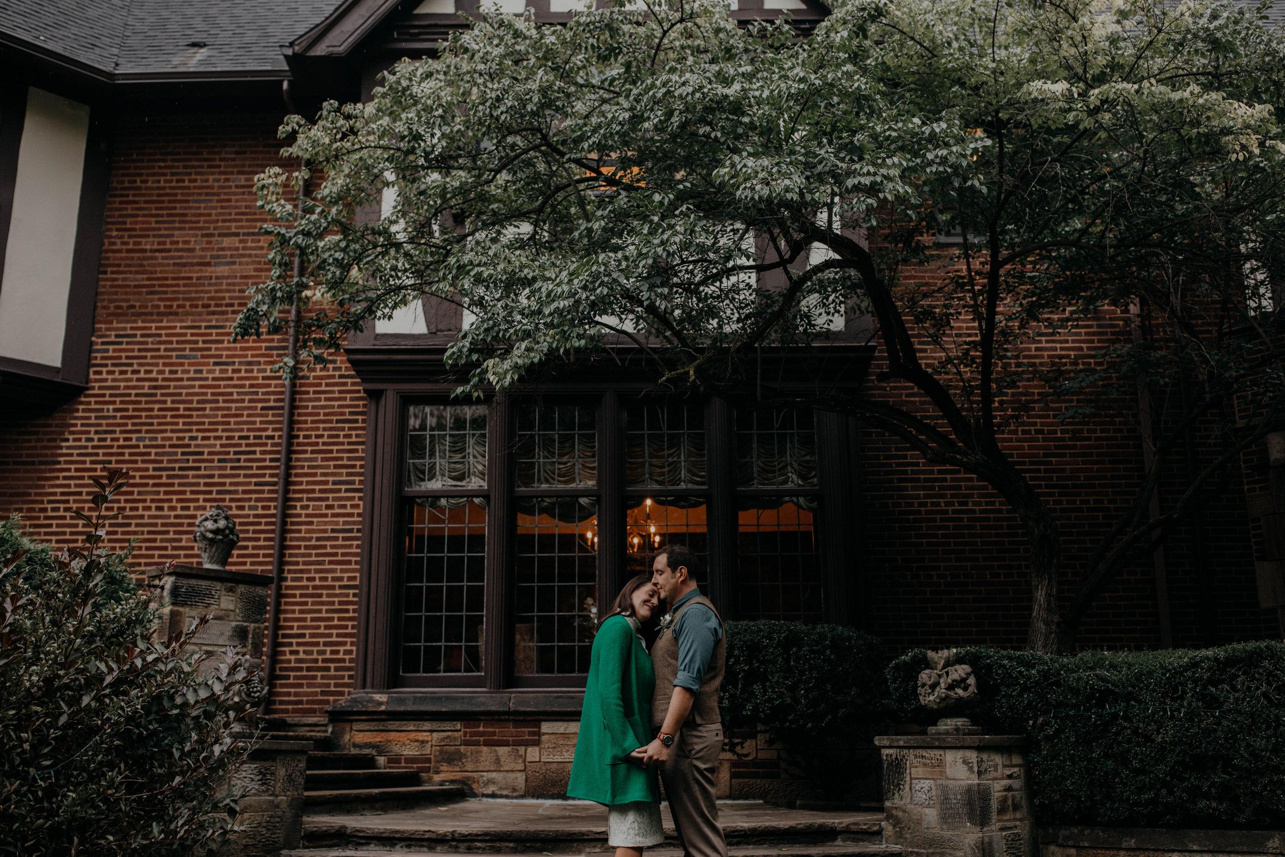 Akron Ohio Intimate Bed and Breakfast wedding grace e jones photography206.jpg