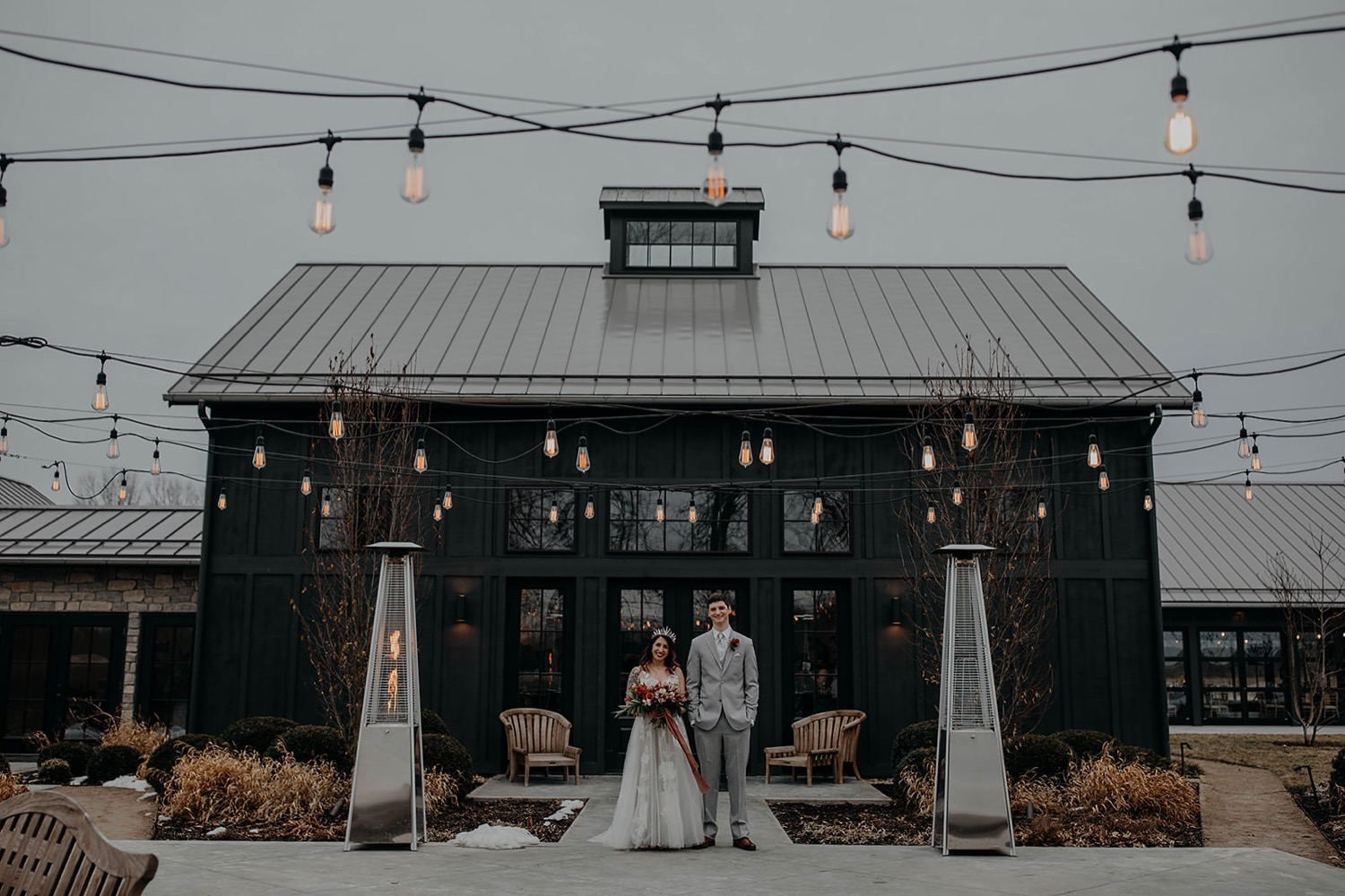 witchy-winter-wedding-bre-smo-at-oak-grove-jorgensen-farm-wedding-columbus-ohio-grace-e-jones-photography262_1500.jpg