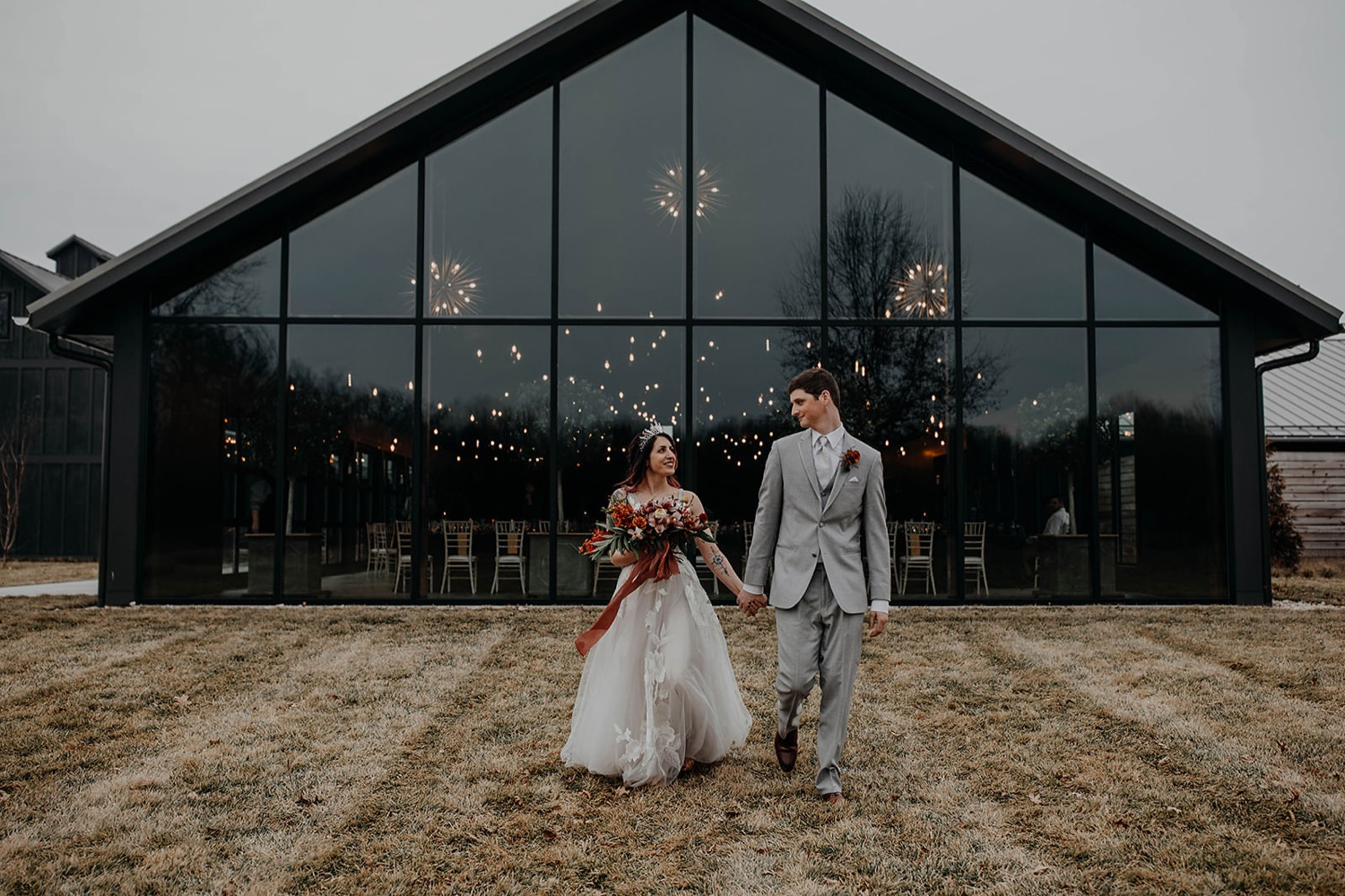 witchy-winter-wedding-bre-smo-at-oak-grove-jorgensen-farm-wedding-columbus-ohio-grace-e-jones-photography243_1500.jpg