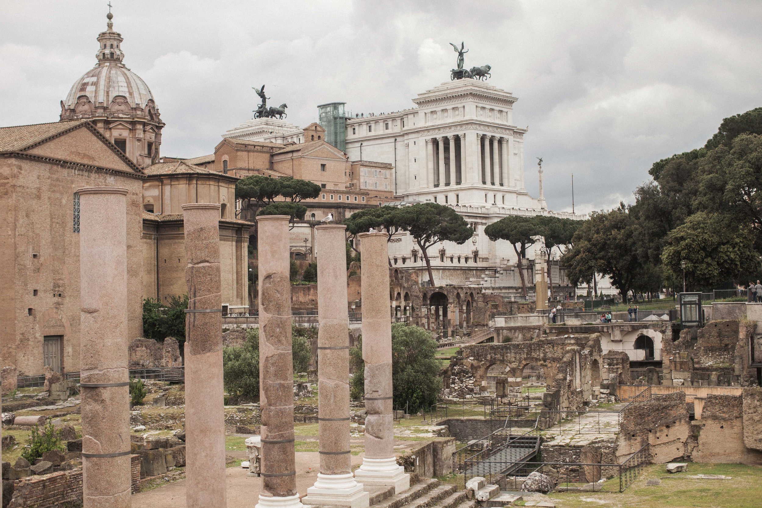 Rome_Two_Moon_Photography-1021.jpg