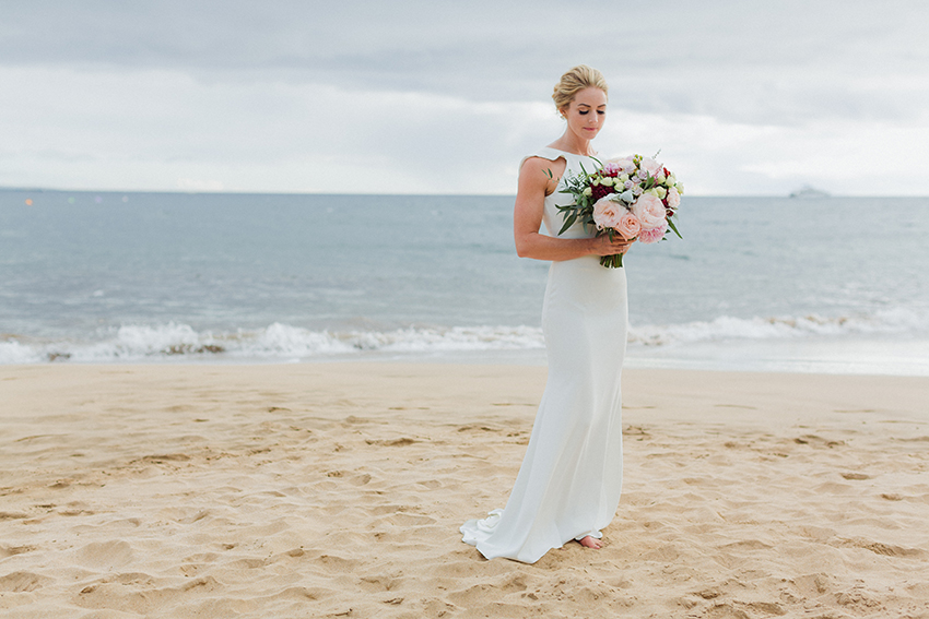 chris_J_evans_maui_beach_wedding_00006.jpg