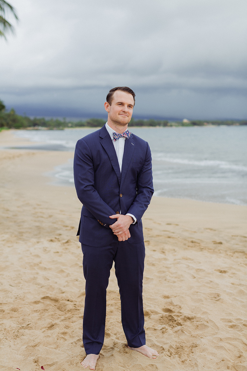 chris_J_evans_maui_beach_wedding_00014.jpg