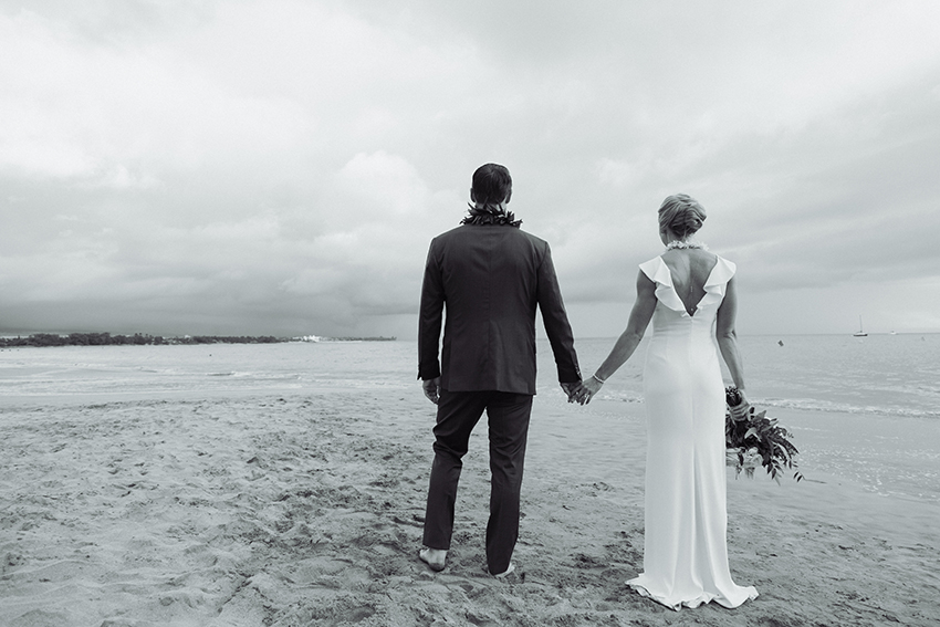 chris_J_evans_maui_beach_wedding_00034.jpg