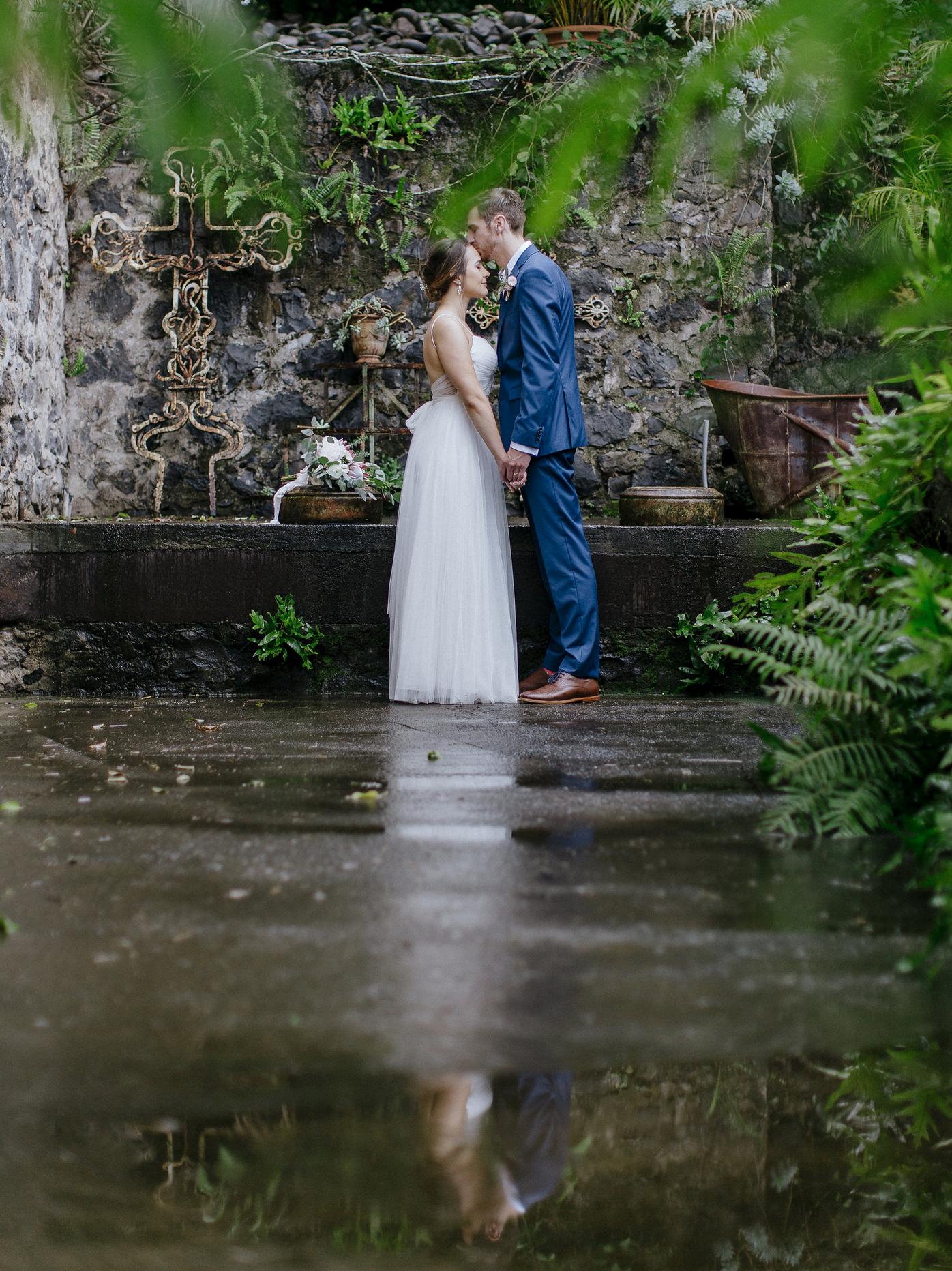 chris-j-evans-rain-wedding00007.png