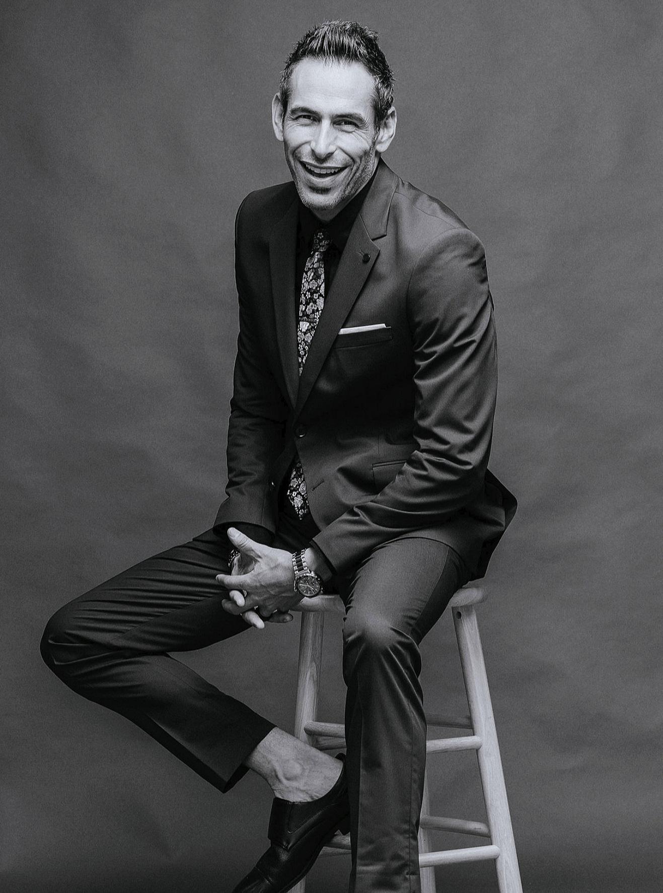 CHRIS J. EVANS - OWNER & CREATIVE DIRECTORHAWAII Magazine Top Wedding photographersThe Knot Best of Weddings 2016, 2017, 2018, 2019Wedding Wire Couples Choice 2016, 2017, 2018PRINCIPAL PHOTOGRAPHER