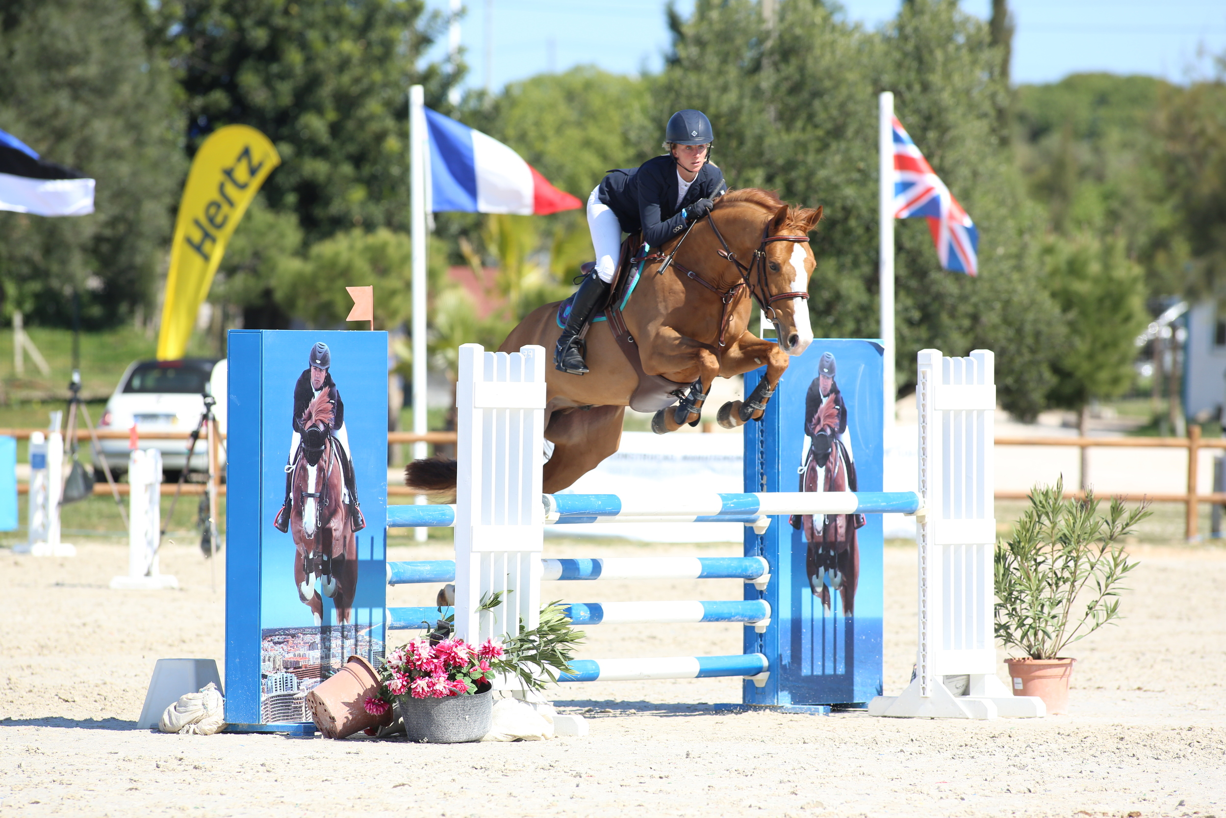 Louise and Galwaybay Merbreakercompetingin the 5 yr olds