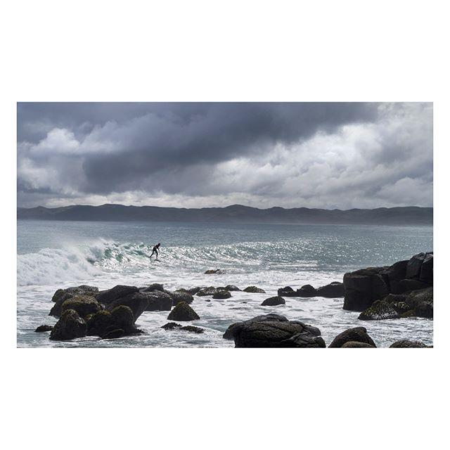 Manu Bay, NZ . . . . #manubay #raglan #newzealand #endlesssummer #discovernz #nzmustdo #discover_newzealand #wanderlustofnz