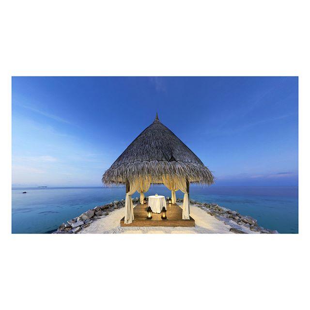 Taj Coral Reef Resort, Maldives. . . . . . #stefanzanderphotography #ukphotographer #architecture #architects #architexture #arquitectura #archdaily #architecturephotography #architecturalphotography #archilovers #hotelphotography #hotelinteriors #hotelinteriordesign #tajhotels #tajcoralreef #groundskentarchitects #gkaperth