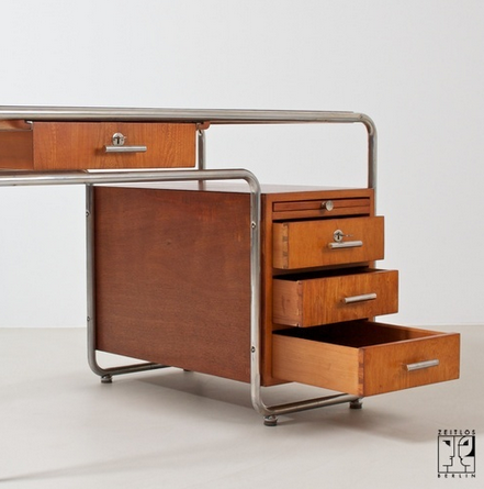 Zietos Berlin, Bauhaus desk