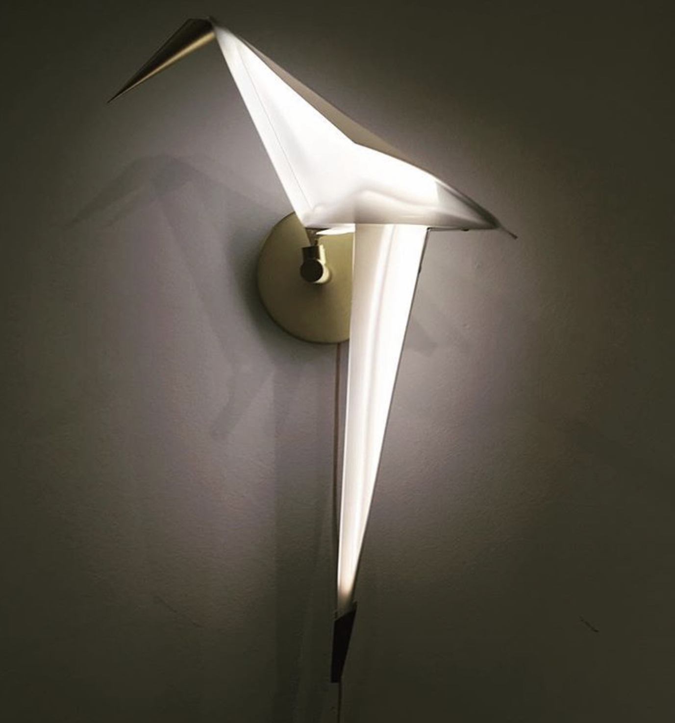 Chelsea House Sconce (via dawnamelby)