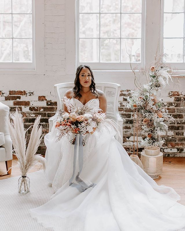 Can we talk about perfection!! 🔥🔥 . ⚡ Planning+Design @brehant_creations Photography @jasmine.tianna.photos Venue @the_lace_factory Rentals @ryandesignsri @theeventbird Florist @earthblossomsflowers Hair @sarajuliannabeauty Makeup @transcendentmakeup Stationery @wholeweddings Gowns @blissbridalct Cake @storeybookcakes Video @xluzive_weddings Jewelers @michaelsjewelers Runners @snassycrafter  Live Painter @rachel_miller_art Strings @divinastrings Favors @noteworthychocolates Shoes @shop.kaileep Models @nivedith_official @kaylapriya @yentorres_ @lisa.olivia.p @stacieamanna . . . . . . . . . . . #belovedstories #dirtybootsandmessyhair #radlovestories #forthewildlyinlove #justalittleloveinspo #radcouples #wanderingweddings #indiewedding #connecticutbride #newenglandbride #elegantbride #bridestyle #belovedweddingstories #confettidaydreams #thelacefactory #styledshoot #ctphotography #weddingphotos #connecticut #brehantcreationsevents #whimsicalweddings