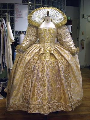 Example of an Elizabethan dress.