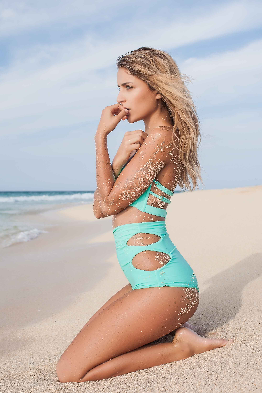 bryce-johnson-issademar-glee-actor-model-bikini-hawaii-19.jpg