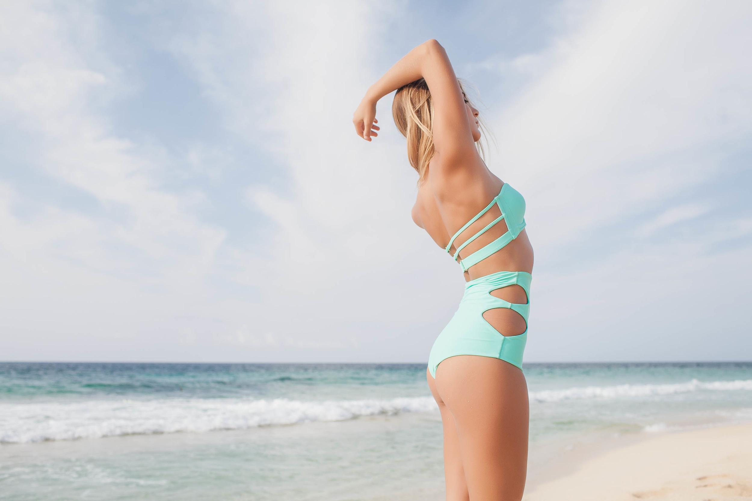 bryce-johnson-issademar-glee-actor-model-bikini-hawaii-11.jpg