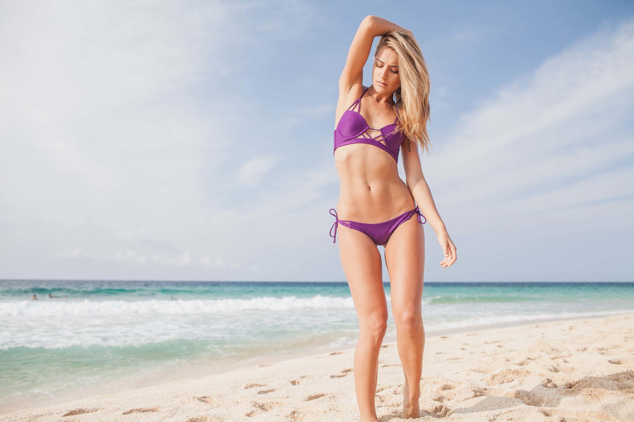 bryce-johnson-issademar-glee-actor-model-bikini-hawaii-4.jpg
