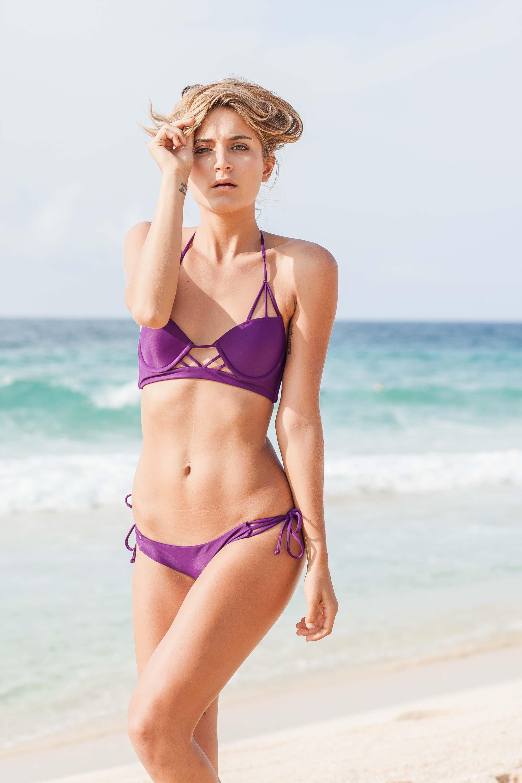 bryce-johnson-issademar-glee-actor-model-bikini-hawaii-2.jpg