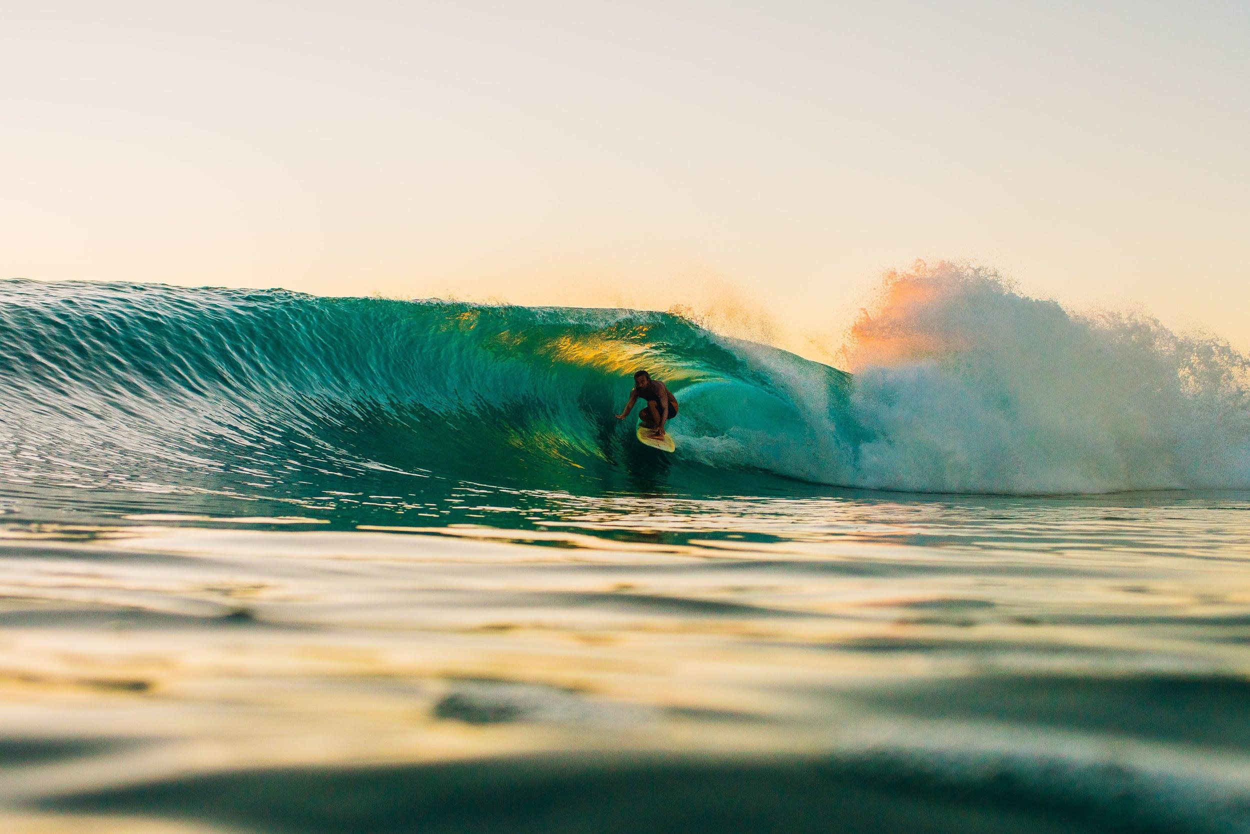 bryce-johnson-photography-kauai-hawaii-surfing-a7rii-aquatech-water-ocean-11.jpg