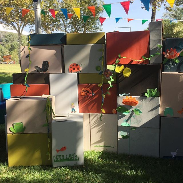Thank you families for a beautiful afternoon at The Adelaide Festival Writers Week Kids Day - especially considering we all braved the 43c heat!! What a treat it was creating and listening to stories with @_annawalker_ ❤️thank you Anna!