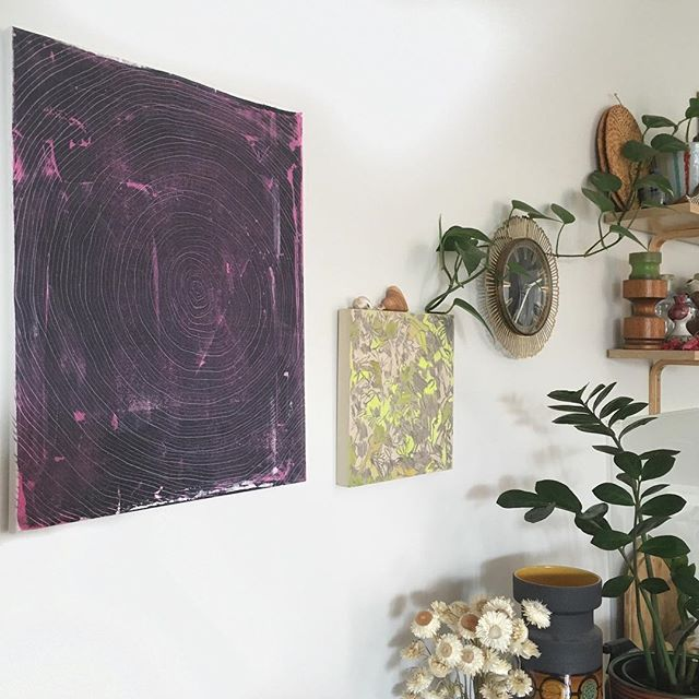 Working with proportion and scale next to other beautiful artworks and objects here. Being surrounded by natural things and unique objects that resonate on a personal level helps us to connect to home. #arrange #art #moonbowaustralia #zanzibar