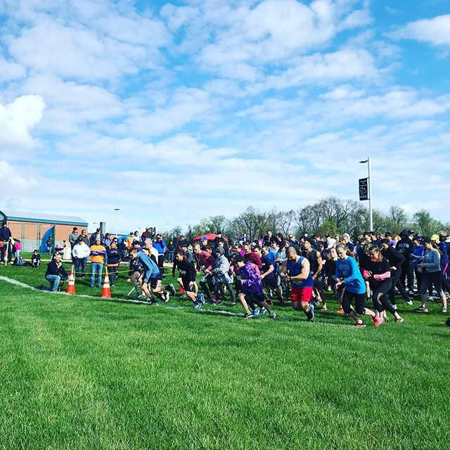 And they're off!!! 💜🐝#JLS5K #royersford #springford #fundraiser